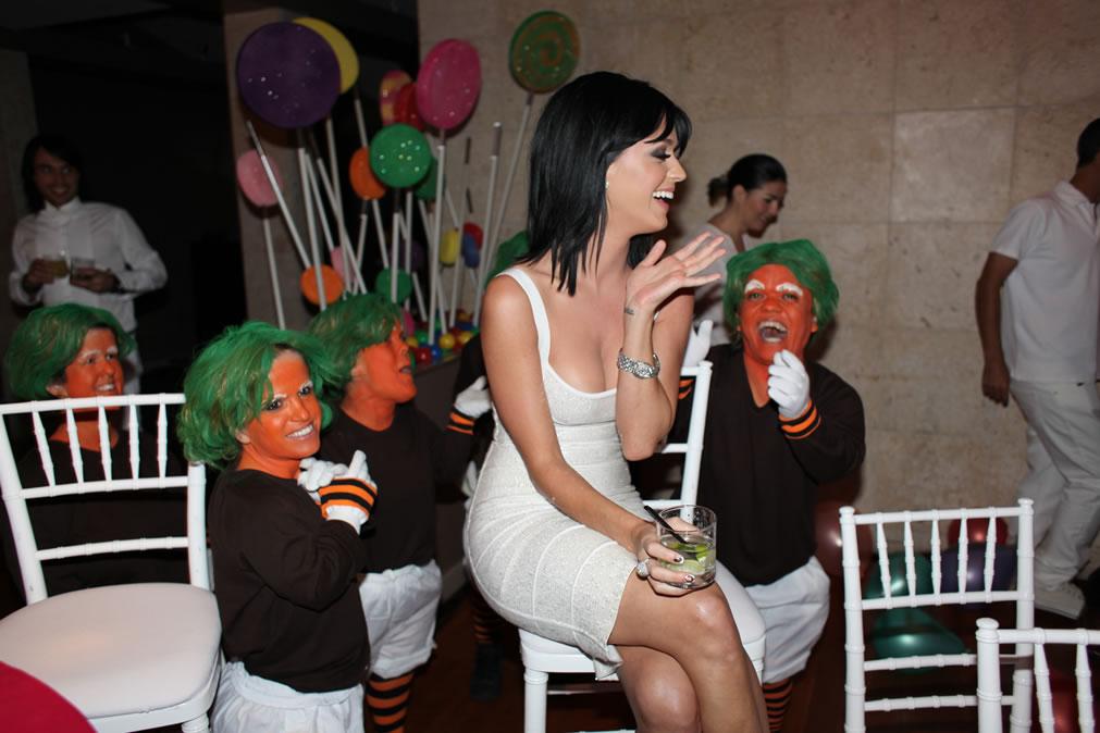 74273_Katy_Perry_25th_Birthday_Party-4_122_439lo.jpg