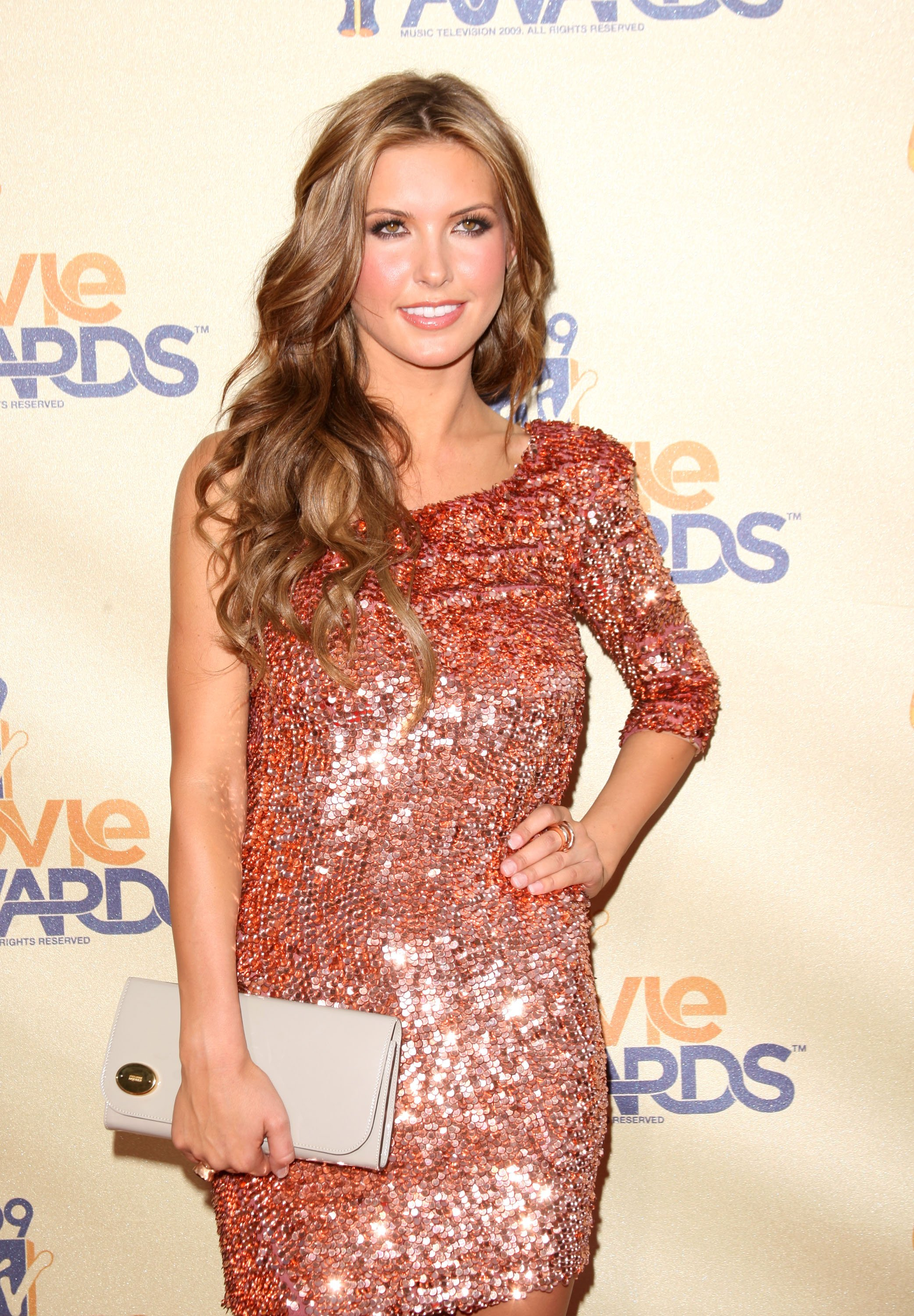 18210_Celebutopia-Audrina_Patridge_arrives_at_the_2009_MTV_Movie_Awards-07_122_556lo.jpg