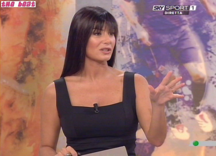 29911_Sky_Calcio_Show--2008-09-28--Ilaria_D2Amico_8113_122_1023lo.jpg