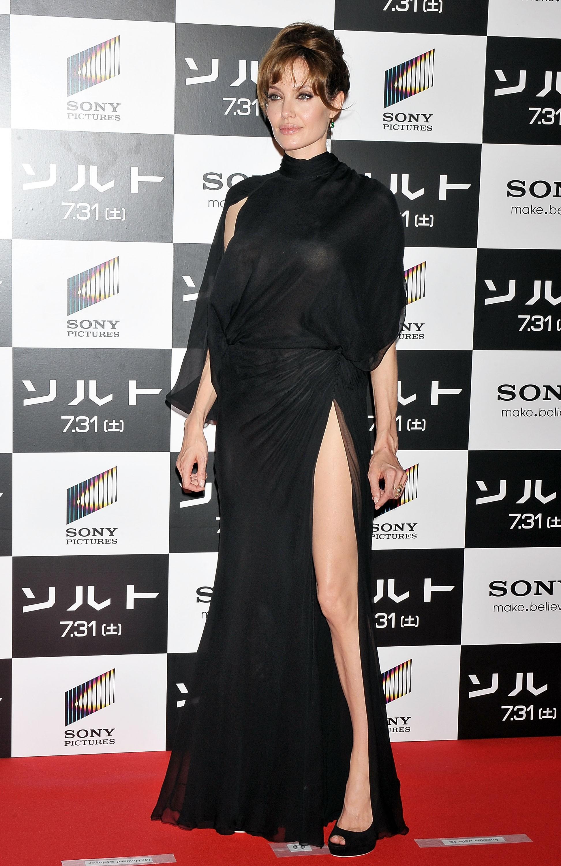 21524_Angelina_Jolie_Salt_Premiere_Tokyo.27_122_81lo.jpg