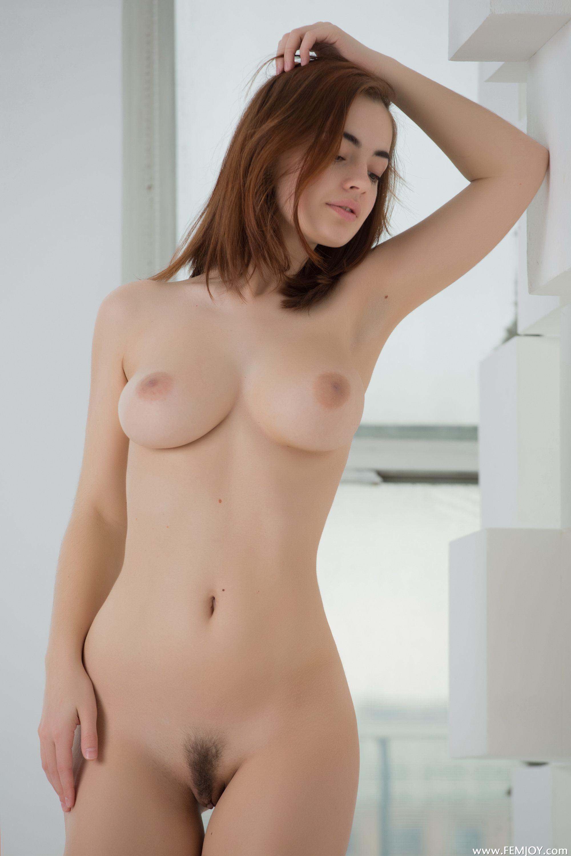 158560531_LidiaSavoderova14_122_90lo.jpg