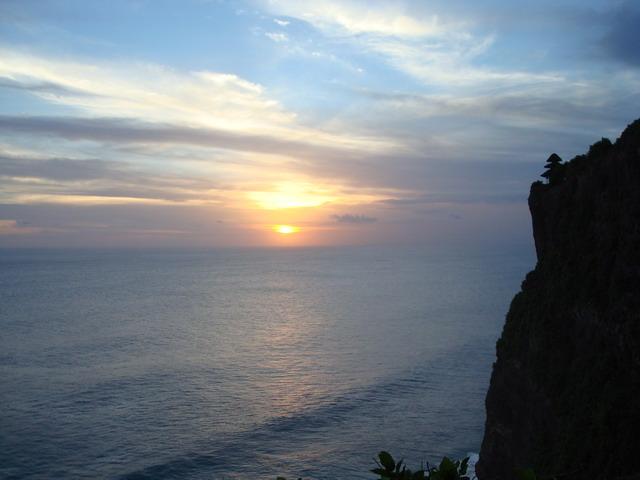 90234_uluwatu-sunset_122_574lo.jpg
