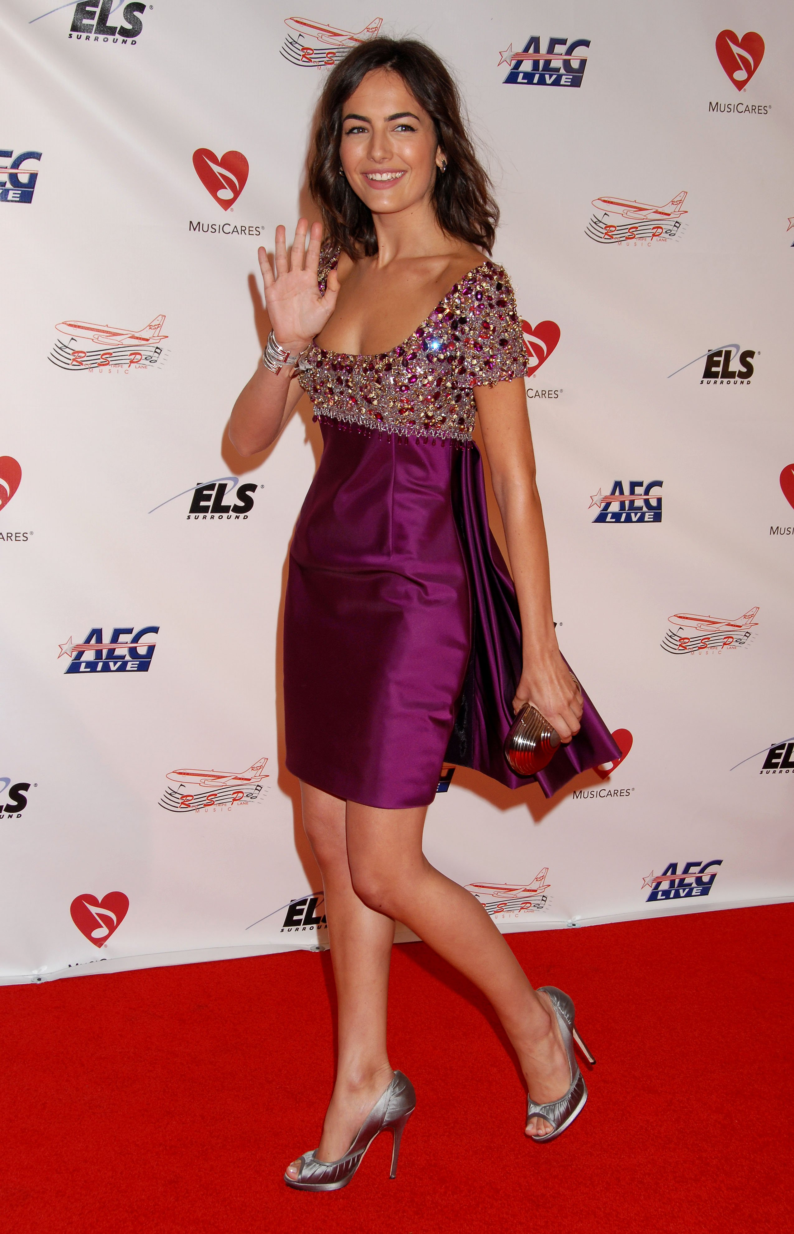 07636_Celebutopia-Camilla_Belle_arrives_at_the_2009_MusiCares_Person_Of_The_Year_Gala-19_122_1013lo.JPG