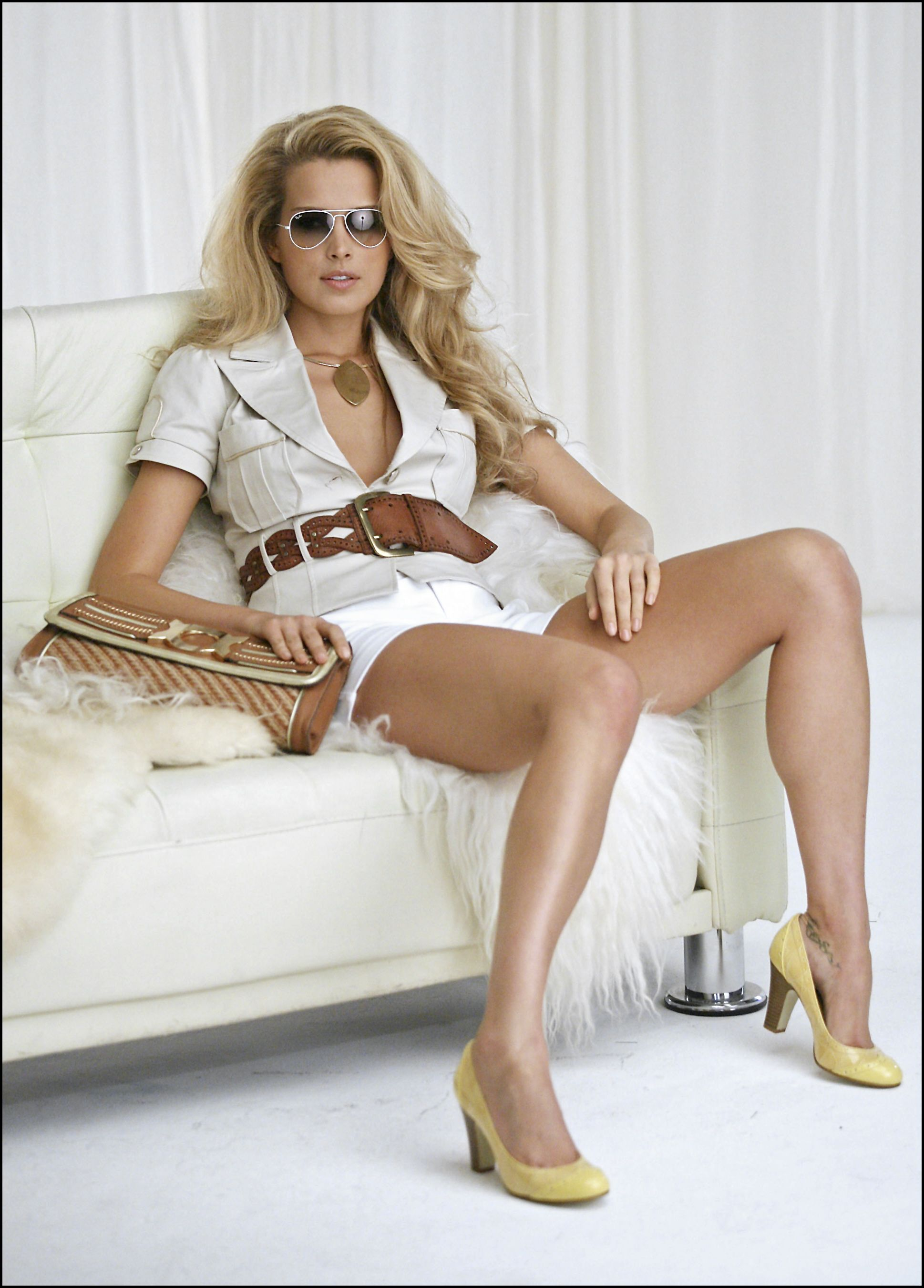 54462_Celebutopia-Petra_Nemcova_behind_the_scenes_on_her_new_photo_shoot_for_the_clothing_company_Rampage-03_122_570lo.jpeg