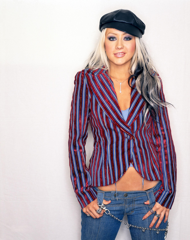 68940_Christina_Aguilera-015325_US_Weekly_-_2003_122_761lo.jpg