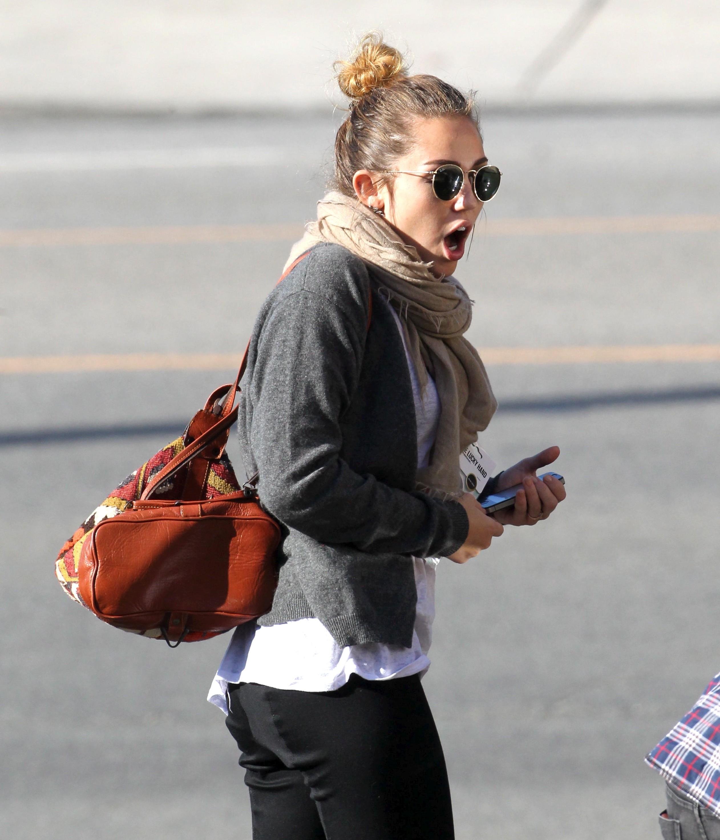 29303_Miley1_123_146lo.jpg