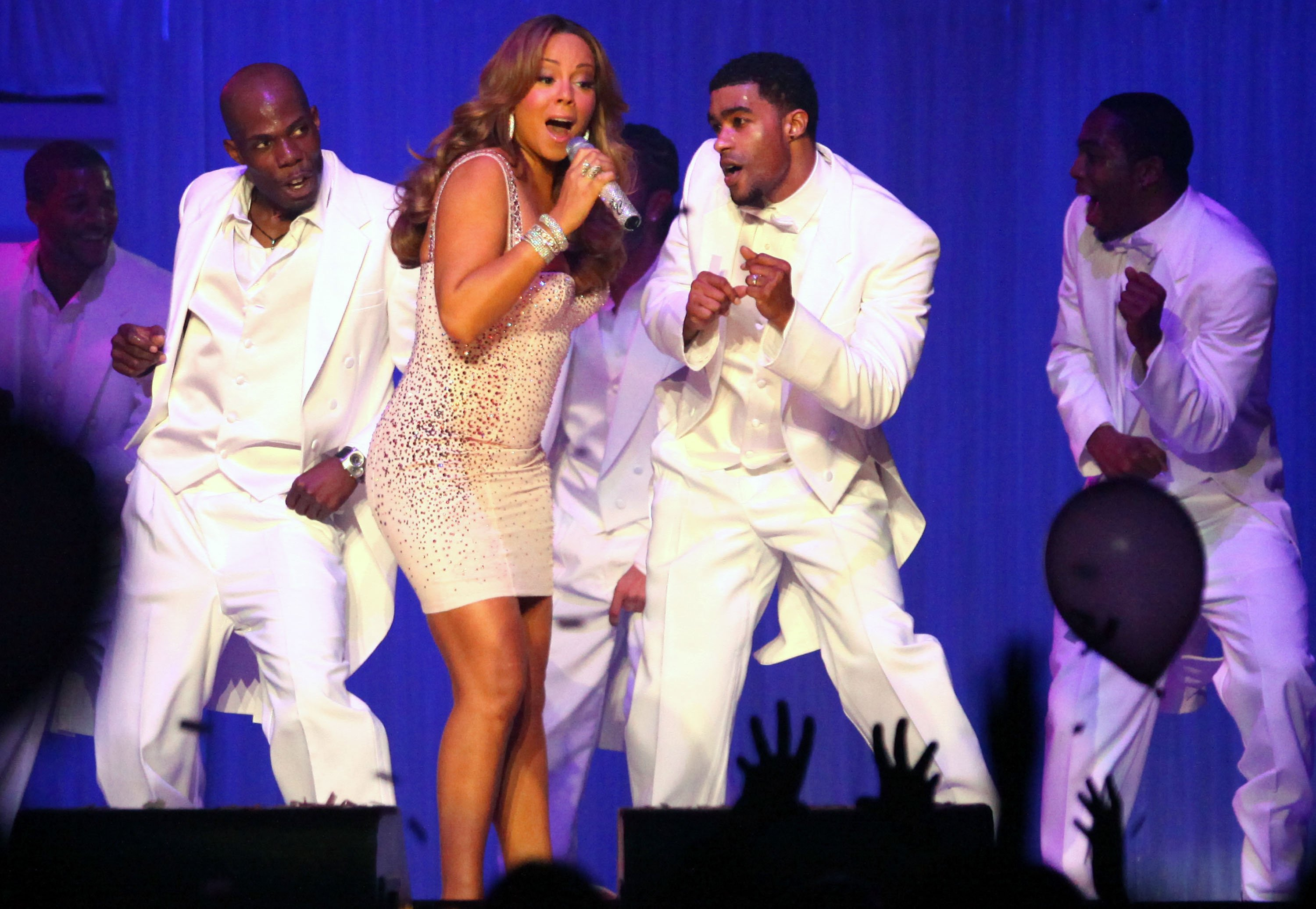 53781_Mariah_Carey_performs_at_Madison_Square_Garden_in_New_York_City_122_454lo.jpg