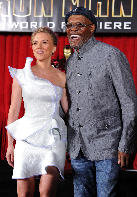 50433_celebrity_paradise.com_Scarlett_Johansson_Iron_Man_2_World_Premiere_in_Hollywood_26.04.2010_22_122_495lo.jpg