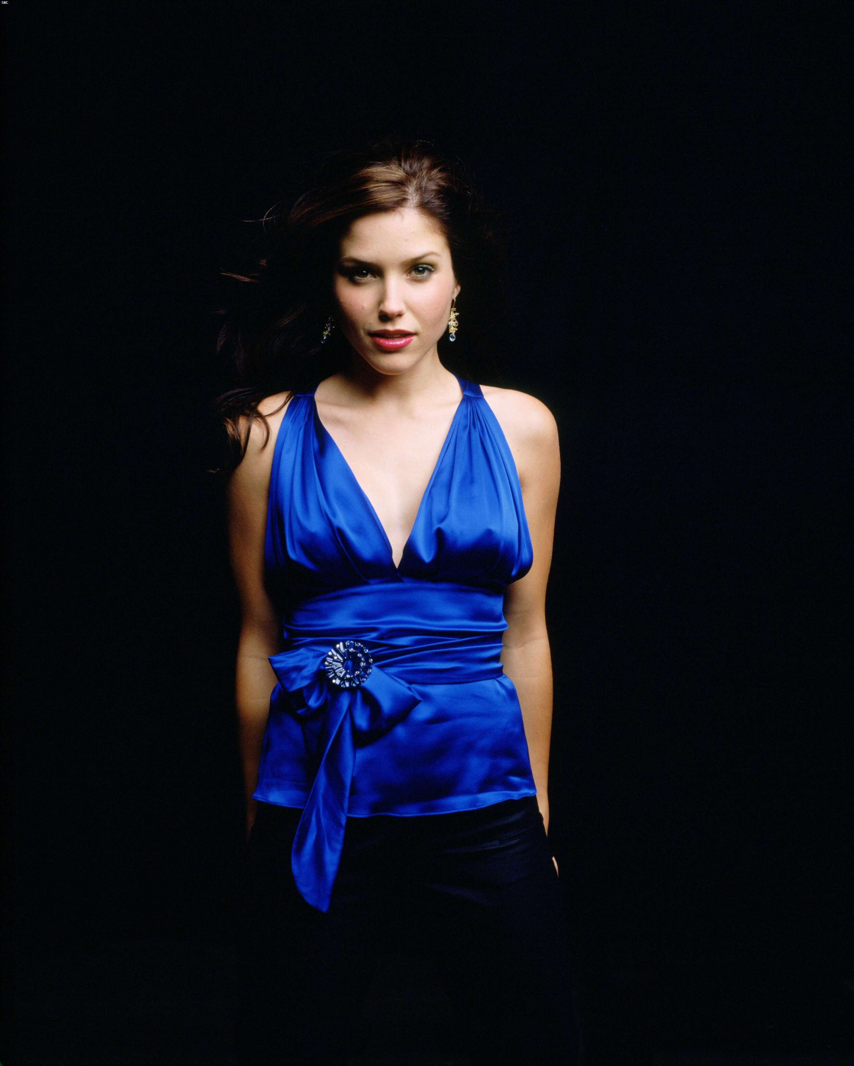 40520_Sophia_Bush_One_Tree_Hill_Promoshooting_020_123_74lo.jpg
