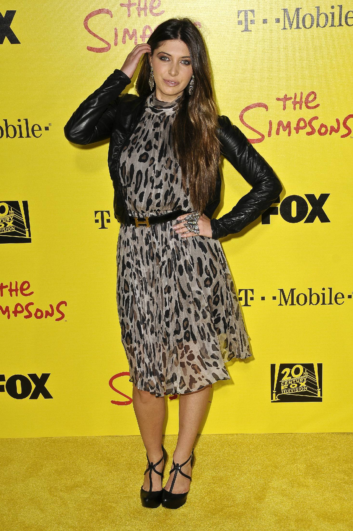 10243_celebrity-paradise.com-The_Elder-Brittny_Gastineau_2009-10-18_-_Simpsons_Treehouse_Of_Horror_and_20th_an_920_122_1097lo.jpg