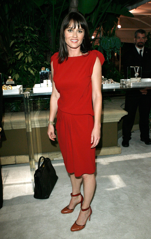 66072_RobinTunney_16th_Elle_Women_in_Hollywood_Tribute_12_122_918lo.jpg