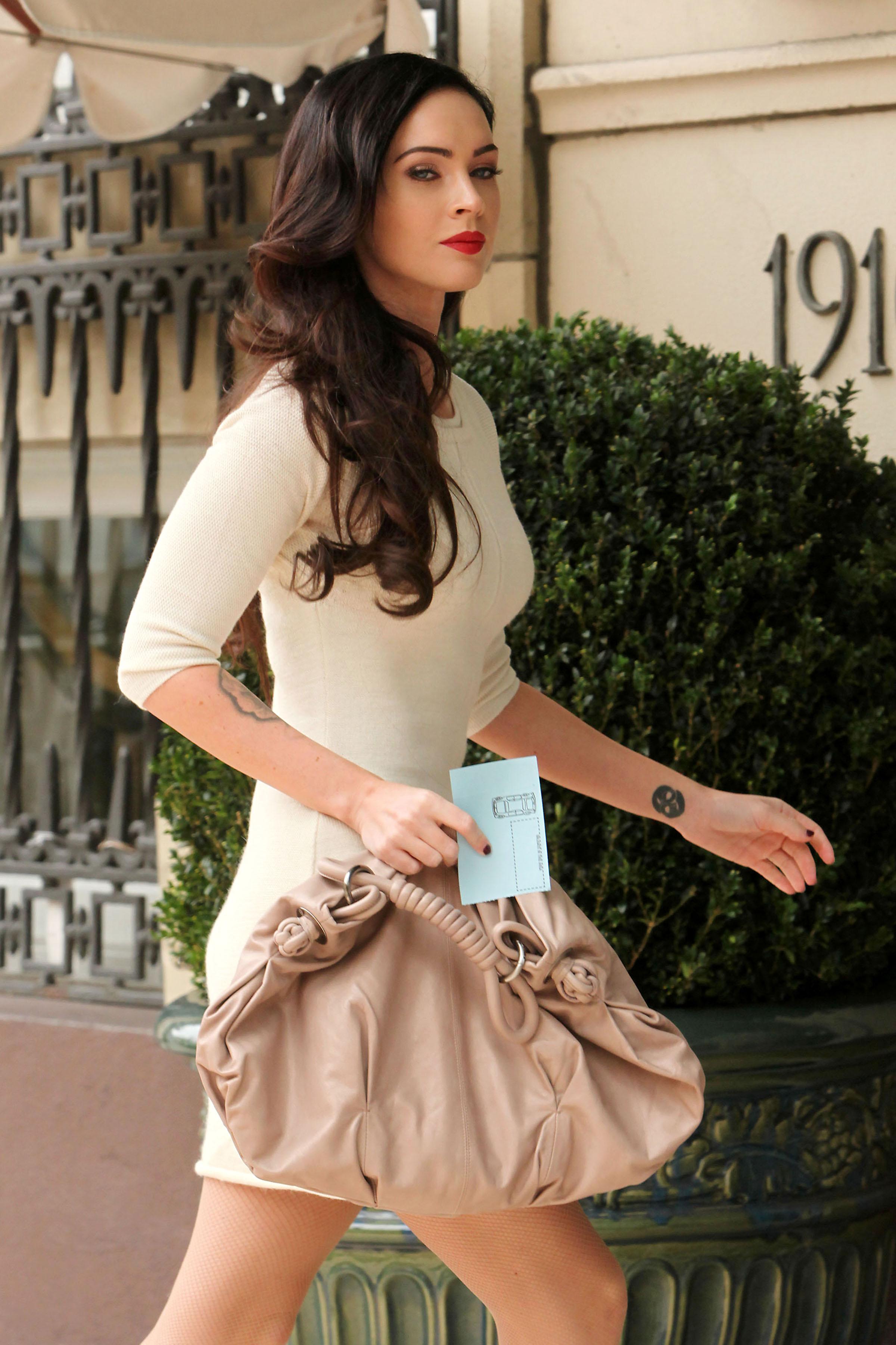 82993_Megan_Fox_at_Hotel_Casa_del_Mar_in_Santa_Monica_-_August_130_2009_-_01_122_1163lo.jpg