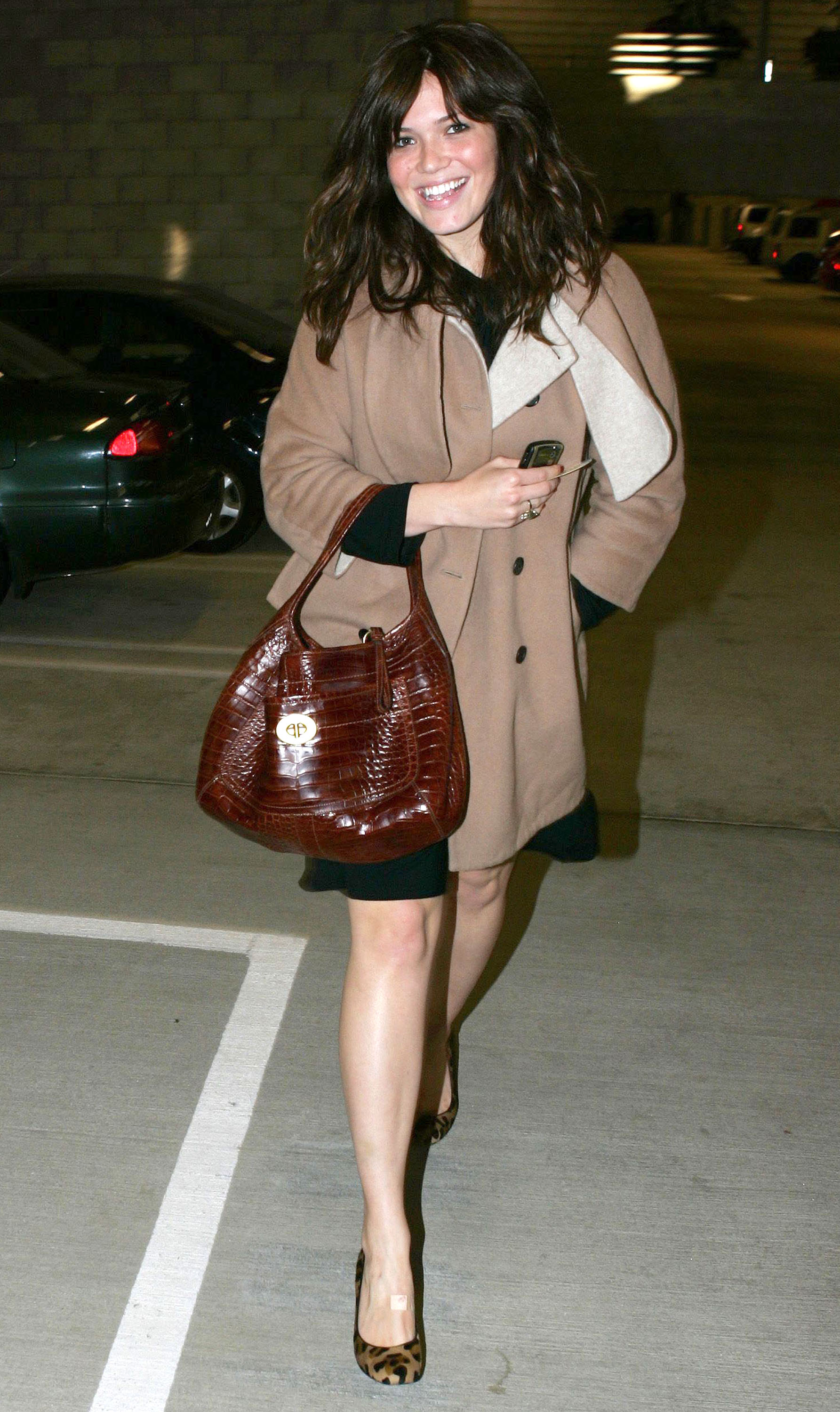 67684_celeb-city.eu_Mandy_Moore_out_and_about_in_West_Hollywood_10.12.2007_16_122_360lo.jpg