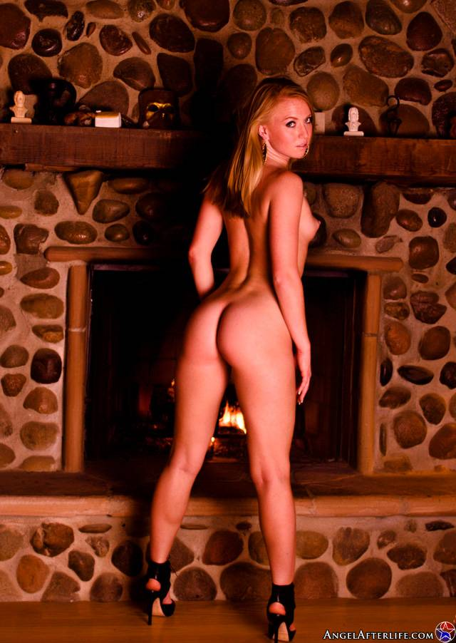 66372_ami_emerson_fireside_seduction12_123_81lo.jpg