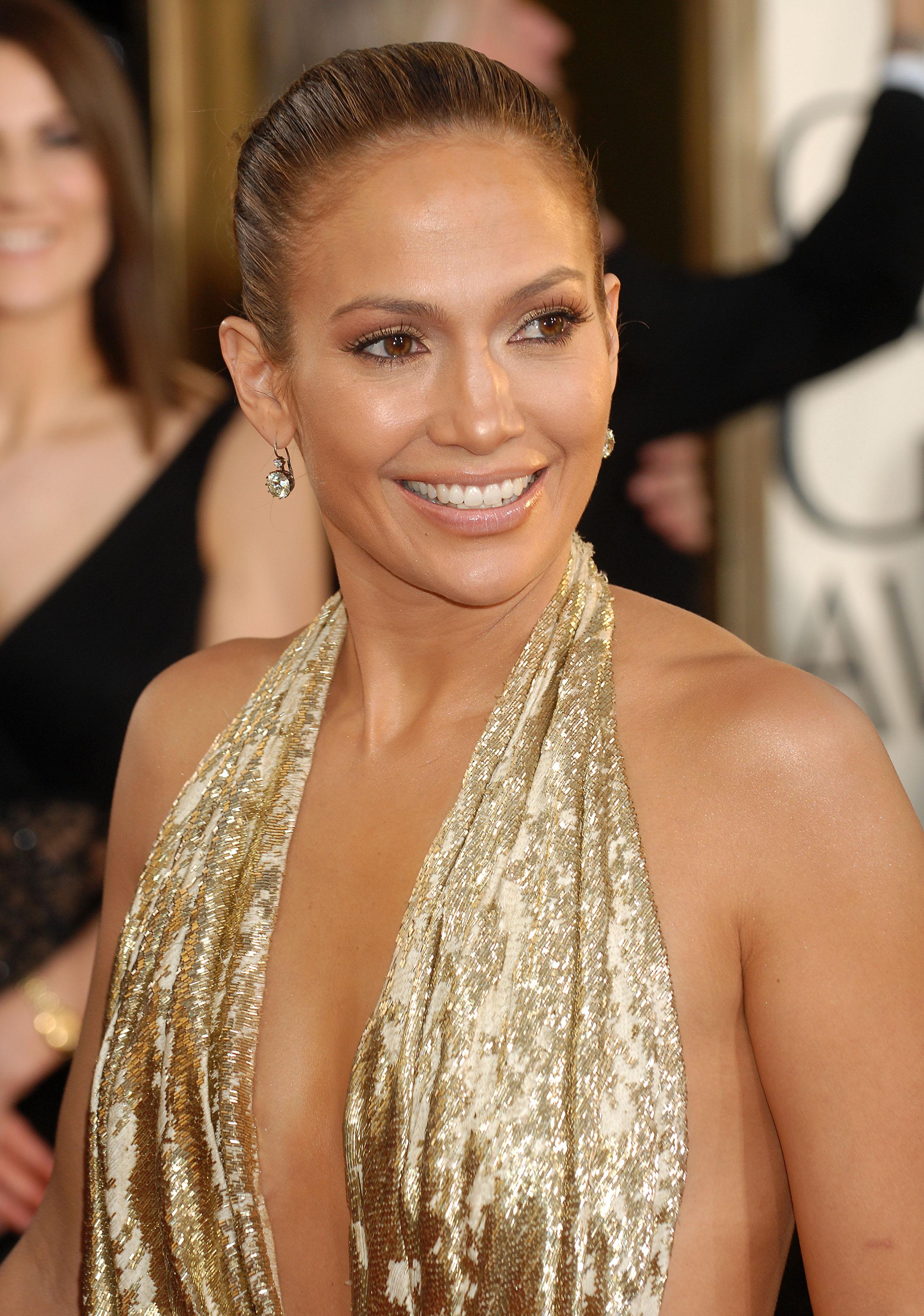 29235_Celebutopia-Jennifer_Lopez_arrives_at_the_66th_Annual_Golden_Globe_Awards-04_122_1133lo.JPG