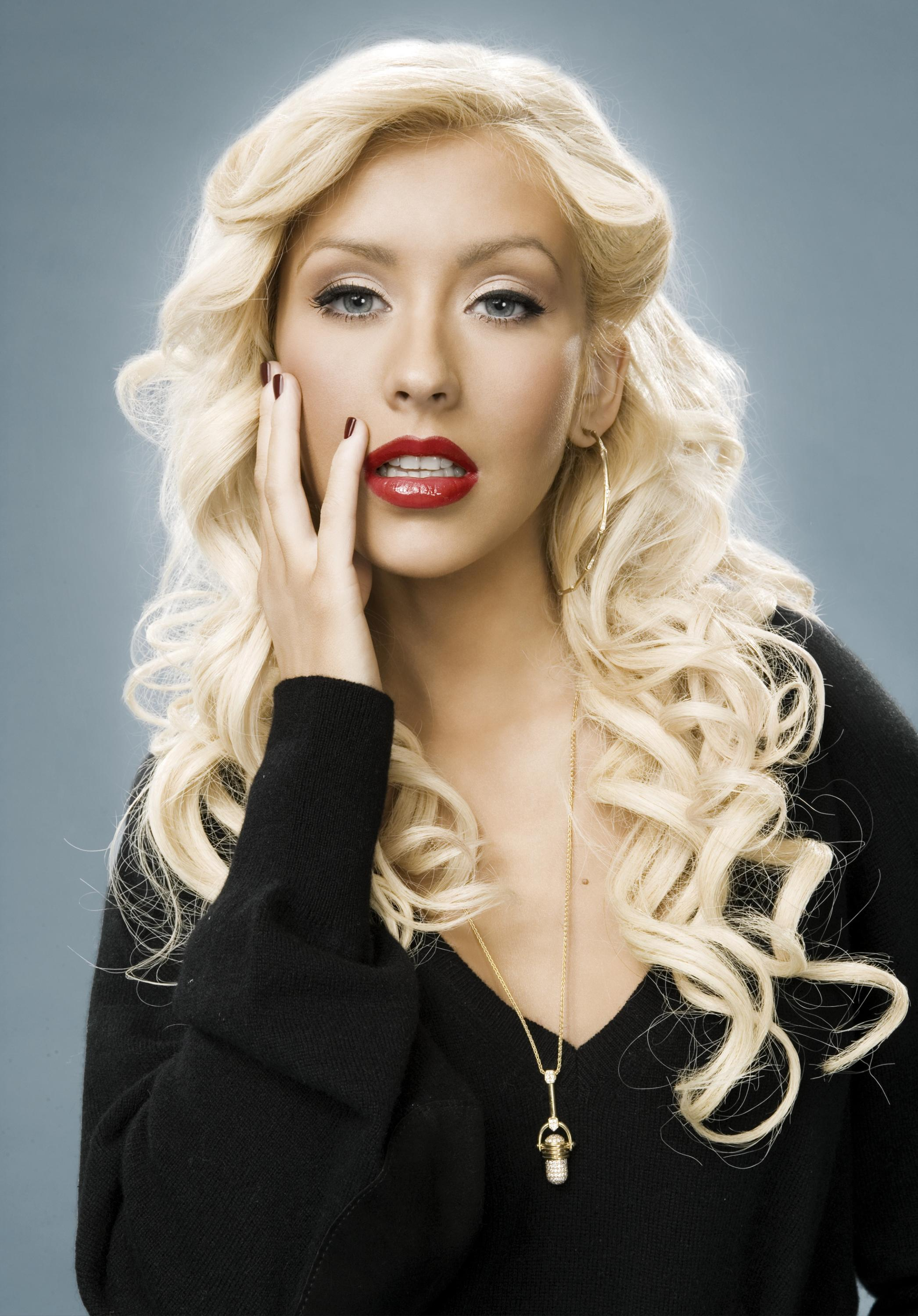 91310_Christina_Aguilera-012963_Dale_May_Photoshoot_122_646lo.jpg