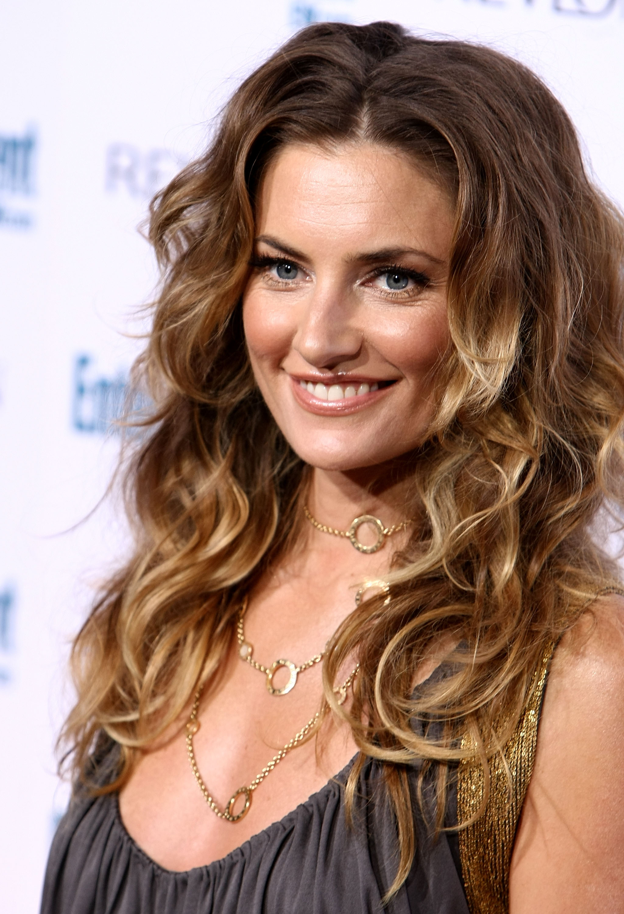 99458_Celebutopia-Madchen_Amick-Entertainment_Weekly15s_Sixth_Annual_Pre-Emmy_Celebration_party-01_122_83lo.jpg