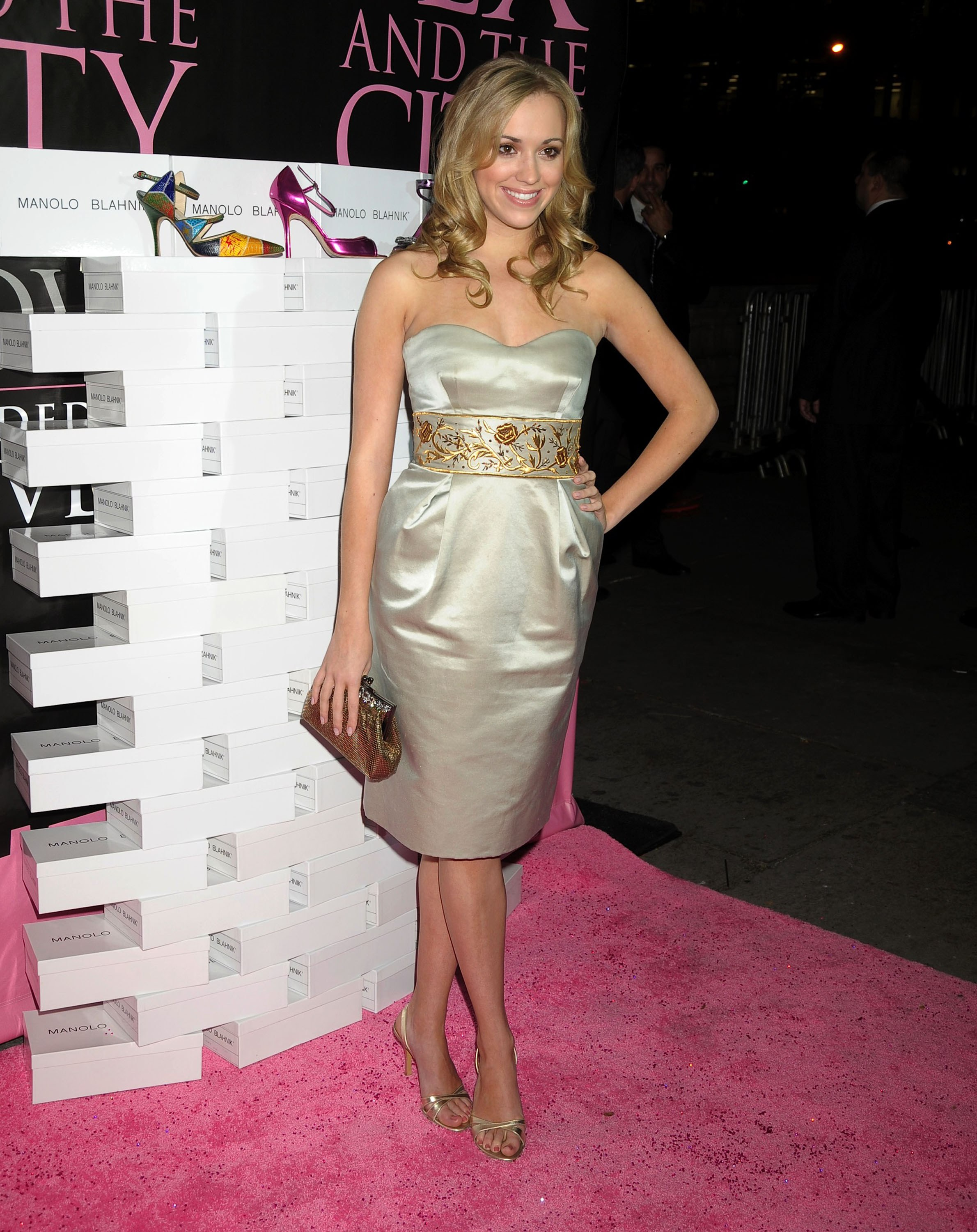 26651_Andrea_Bowen_-_9Sex_and_the_City-_The_Movie2_DVD_launch_CU_ISA_0003_122_250lo.jpg