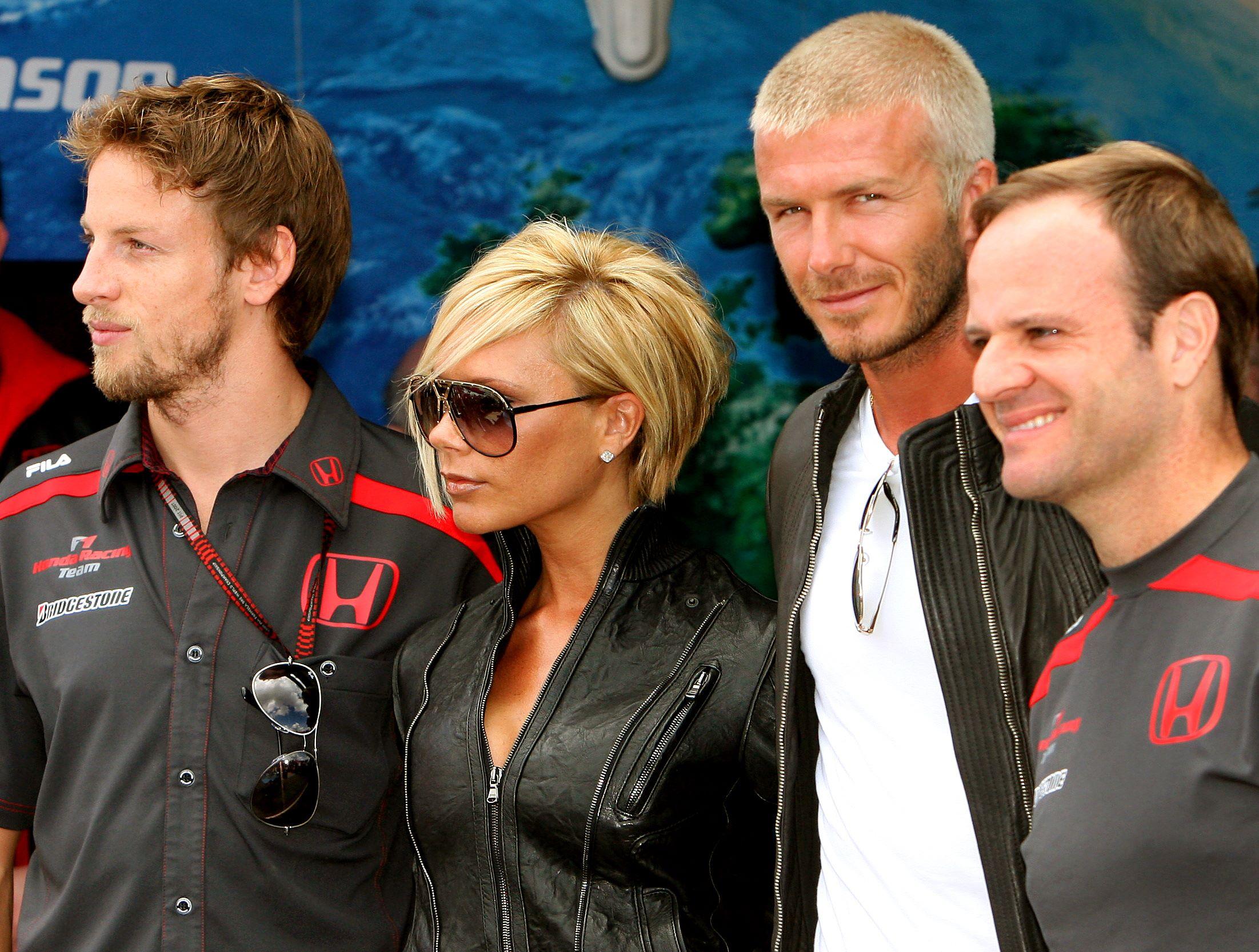 97506_celeb-city.eu_Victoria_Beckham_Formula_One_Grand_Prix_at_Silverstone_040_123_656lo.jpg