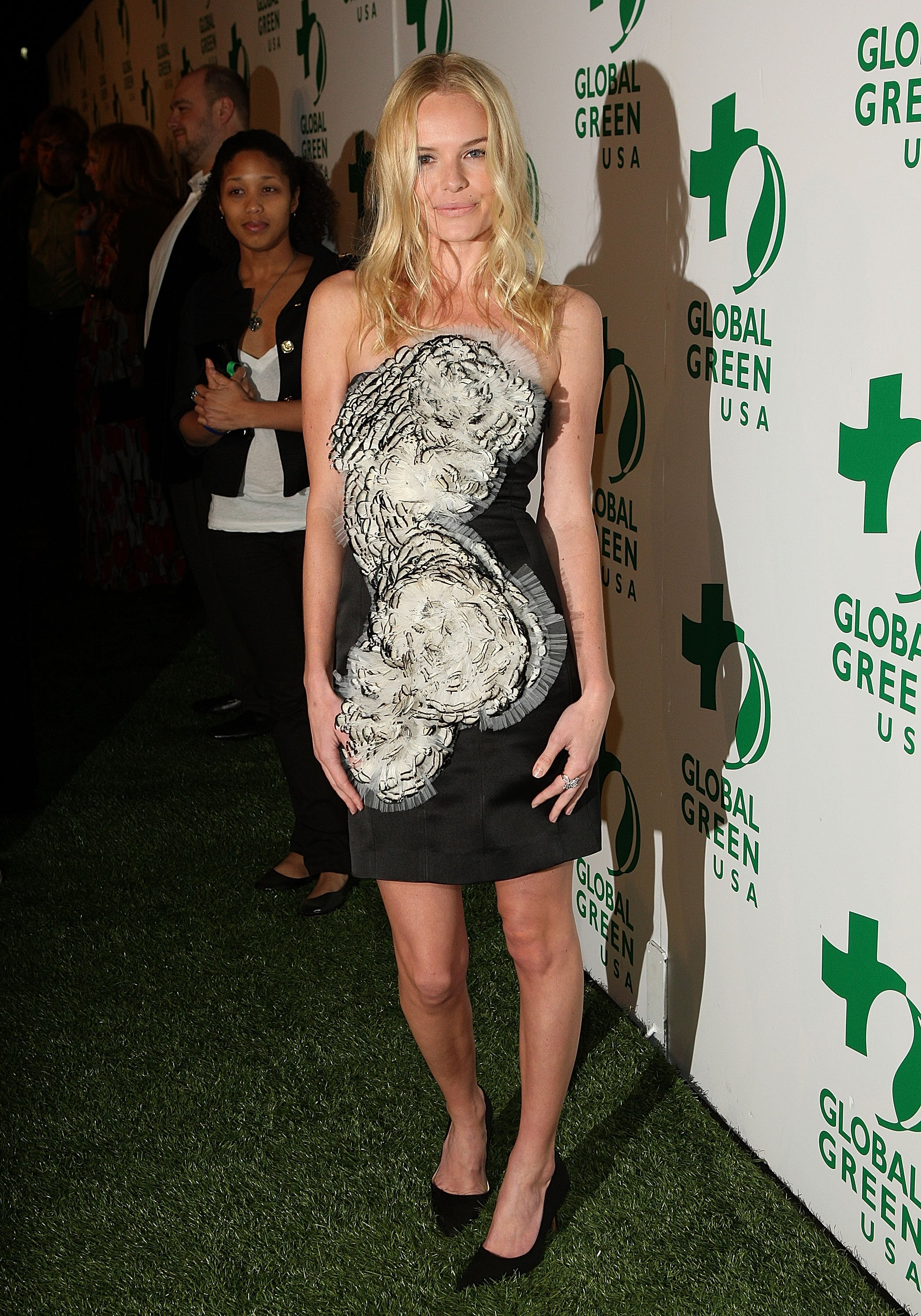 13348_Celebutopia-Kate_Bosworth_arrives_at_Global_Green_USA63s_6th_Annual_Pre-Oscar_Party-06_122_419lo.jpg