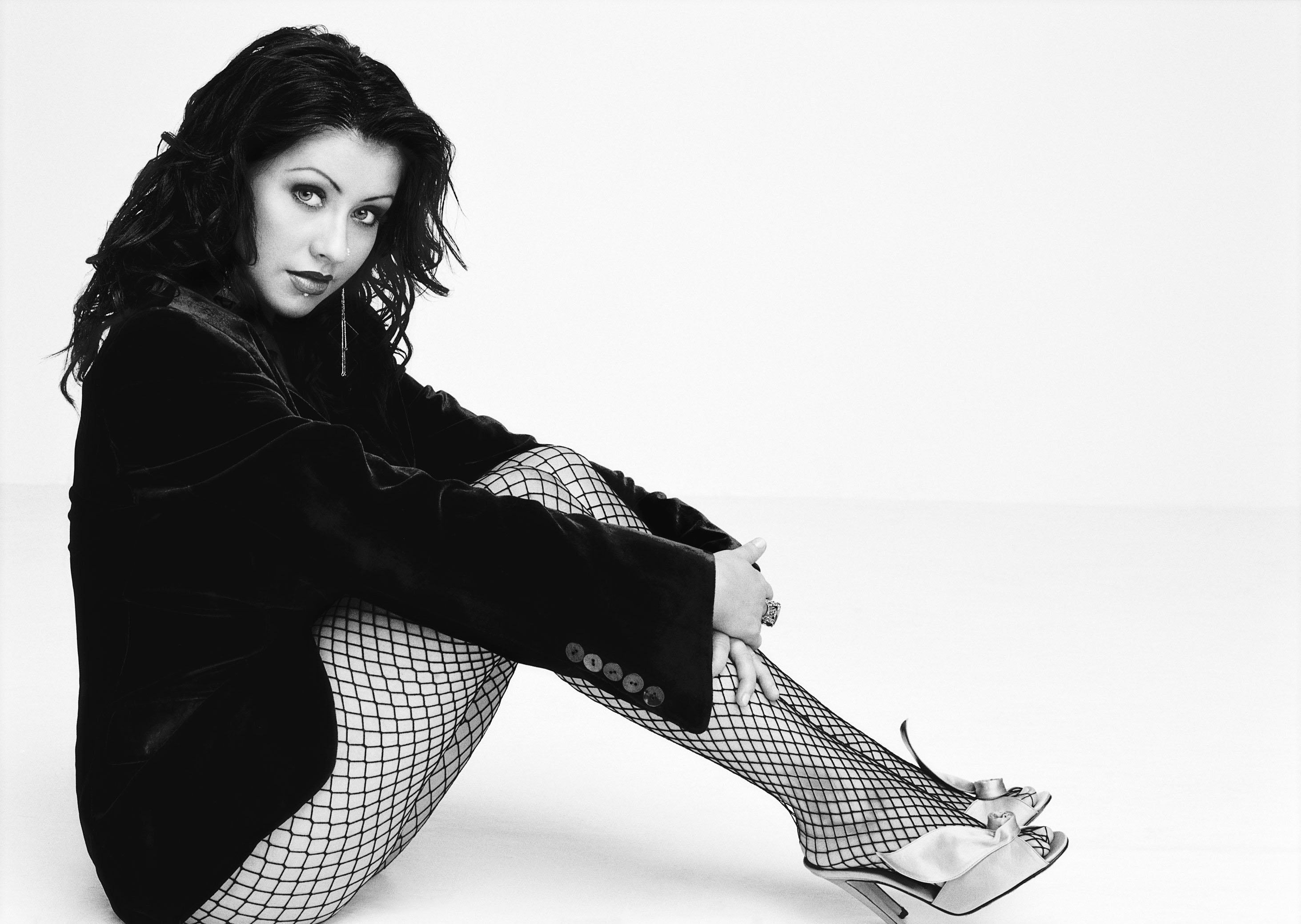 79639_XTina_for_Esquire_3_122_442lo.jpg