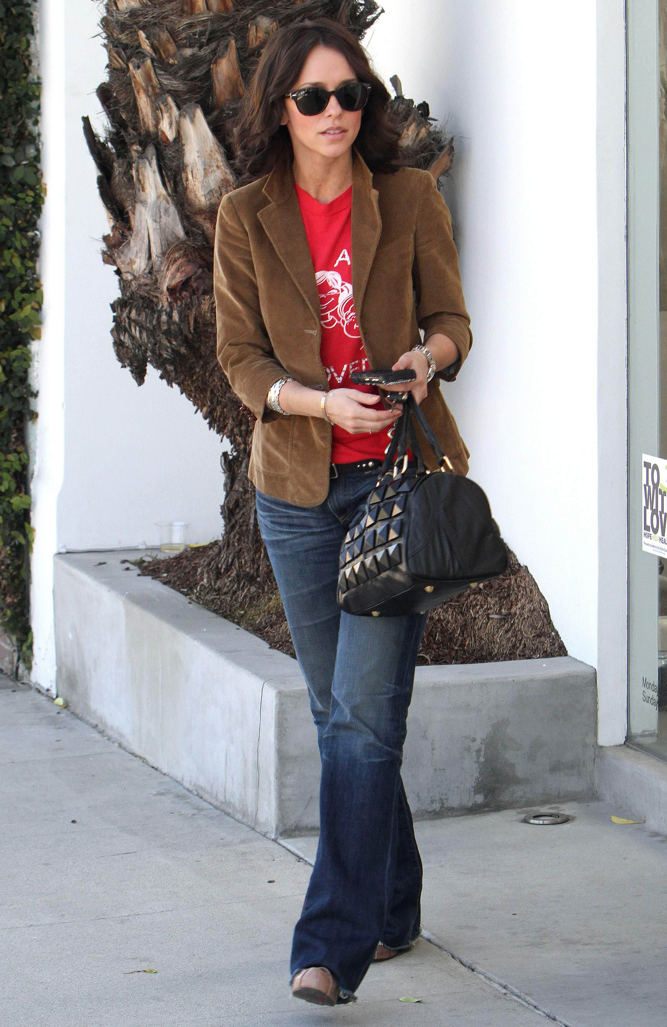 43346_JLH_Out_and_about_in_LA7_122_554lo.jpg