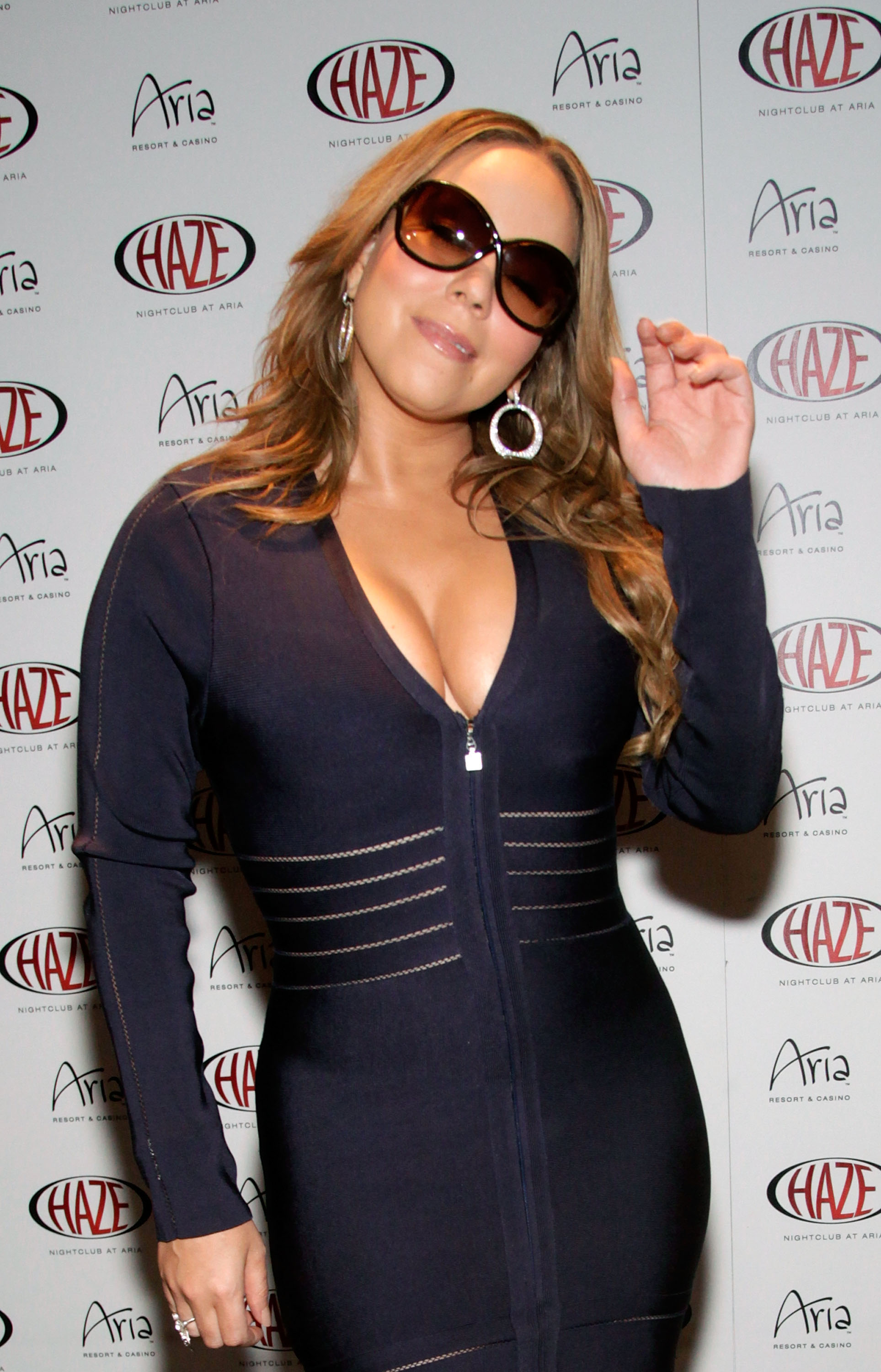 07606_MariahCarey_end_of_tour_party_122_431lo.jpg
