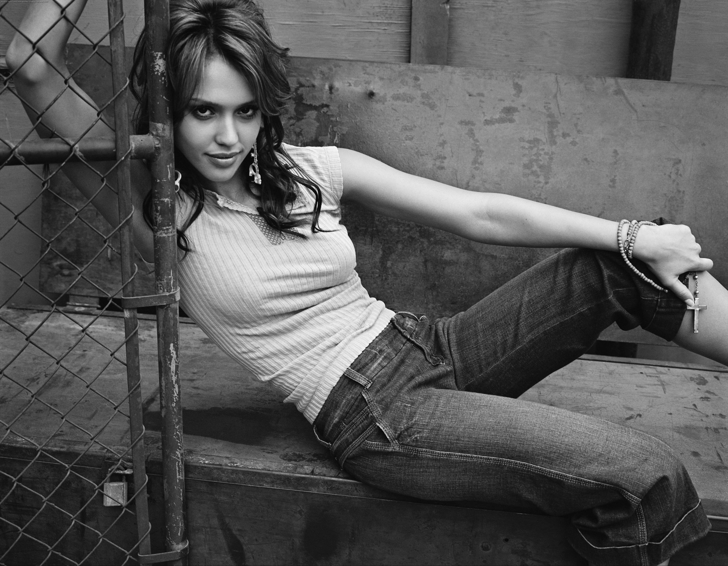 623947135_Jessica_Alba.com_Entertainment_Weekly_Outtakes_2005.00_122_549lo.jpg