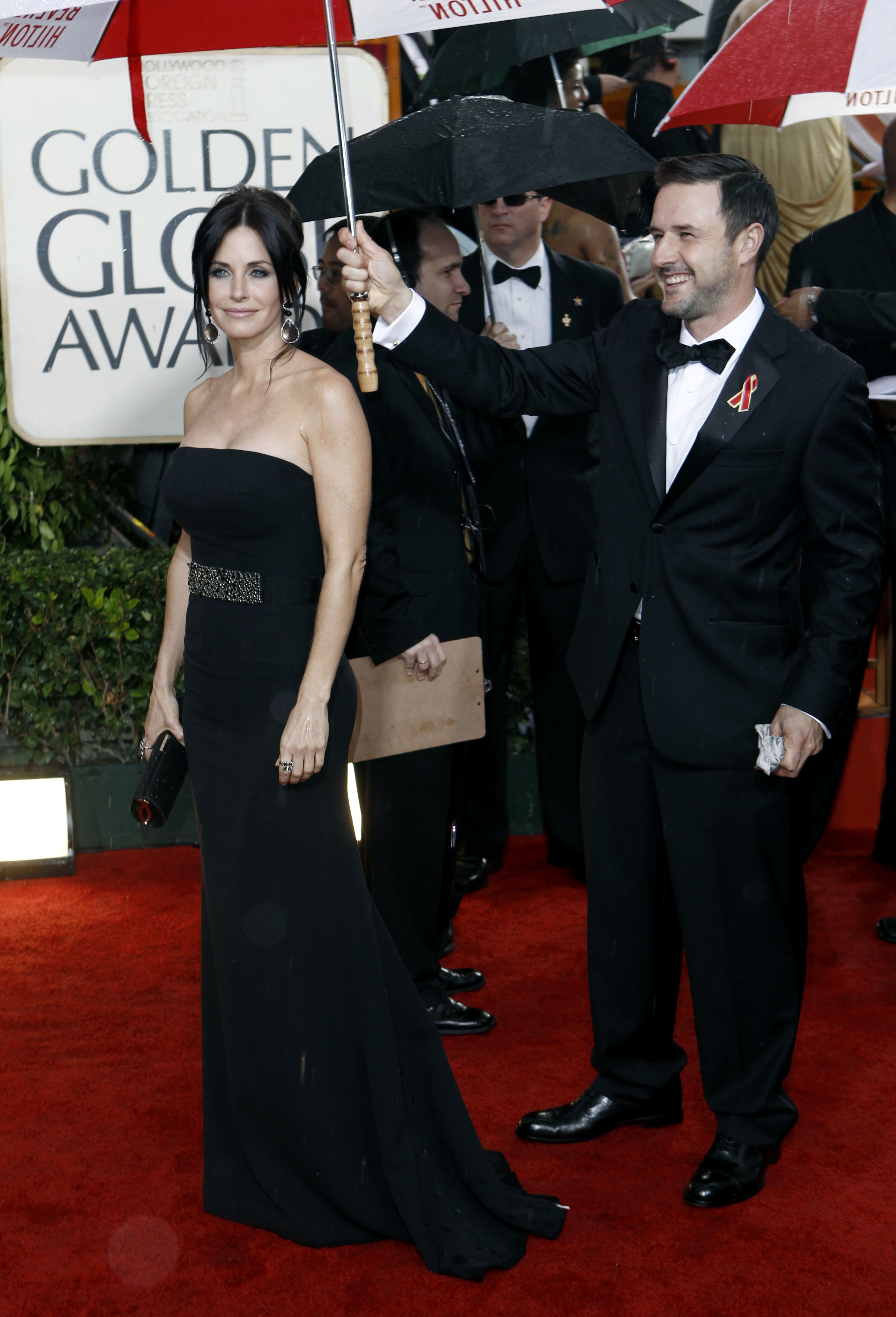 77685_Celebutopia-Courteney_Cox_arrives_at_the_67th_Annual_Golden_Globe_Awards-04_122_88lo.jpg