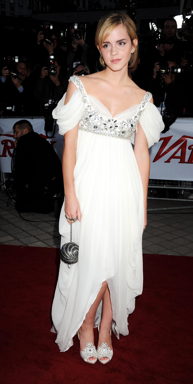 01709_Celebutopia-Emma_Watson-National_Movie_Awards_in_London-10_122_188lo.jpg