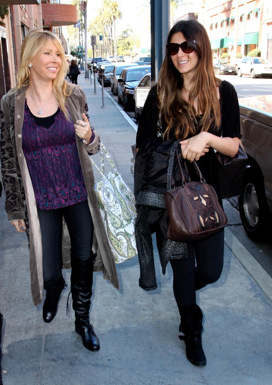 79390_celebrity-paradise.com-The_Elder-Brittny_Gastineau_2010-02-03_-_shopping_in_Beverly_Hills_122_436lo.jpg