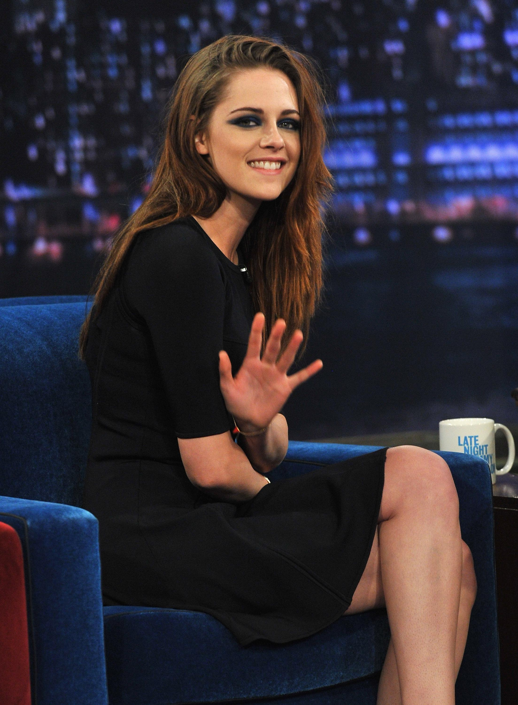 451593222_Kristen_Stewart_Late_Night_with_Jimmy_Fallon6_122_494lo.jpg
