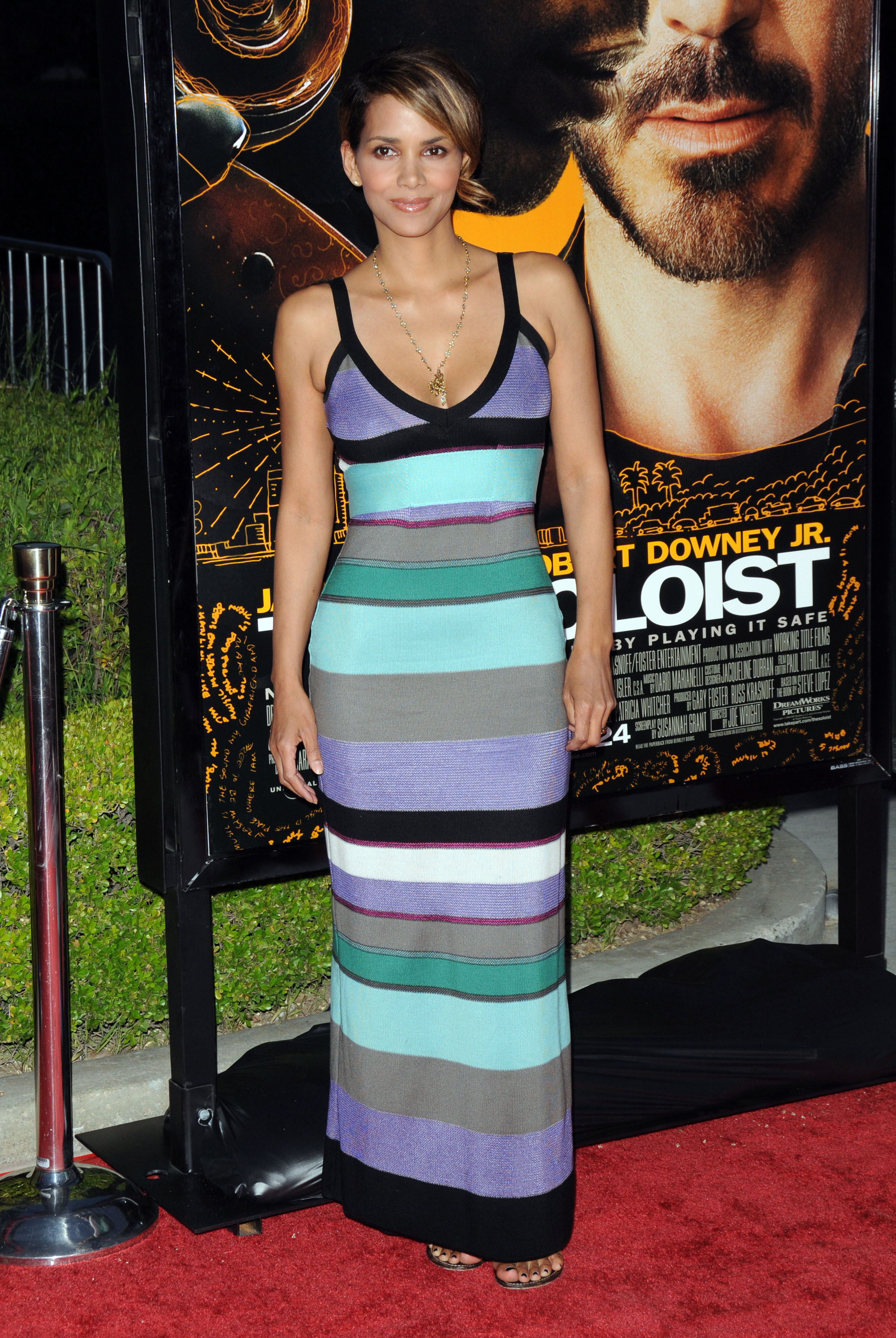 65512_Halle_Berry_The_Soloist_premiere_in_Los_Angeles_64_122_580lo.jpg