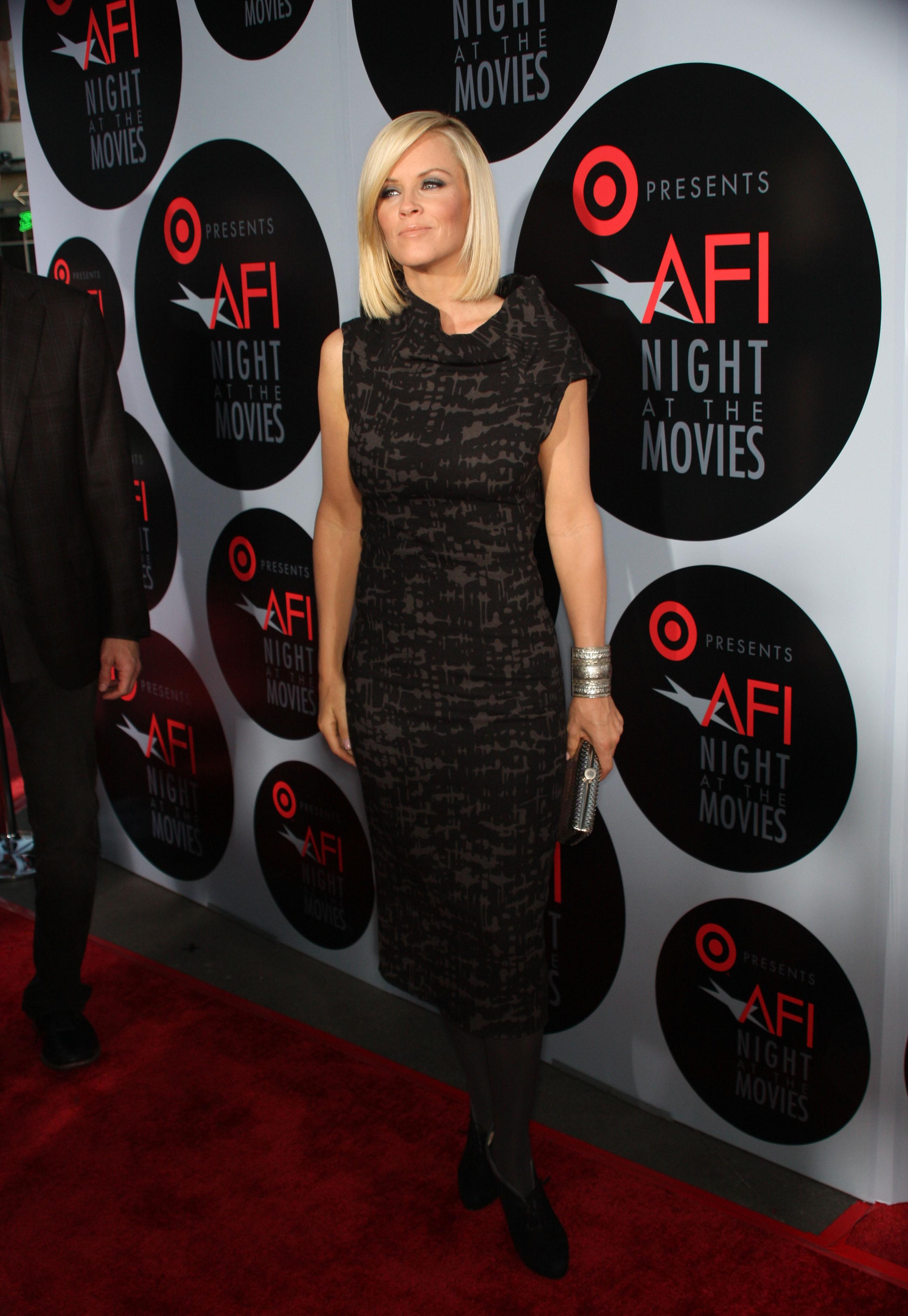 27138_Celebutopia-Jenny_McCarthy-AFI01s_Night_At_The_Movies-05_122_198lo.jpg