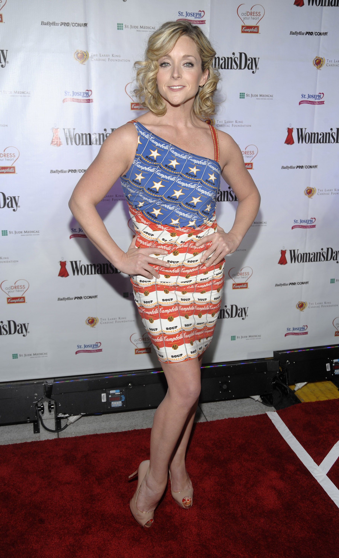 25714_Celebutopia-Jane_Krakowski-6th_Annual_Woman2s_Day_Red_Dress_Awards-04_122_376lo.jpg