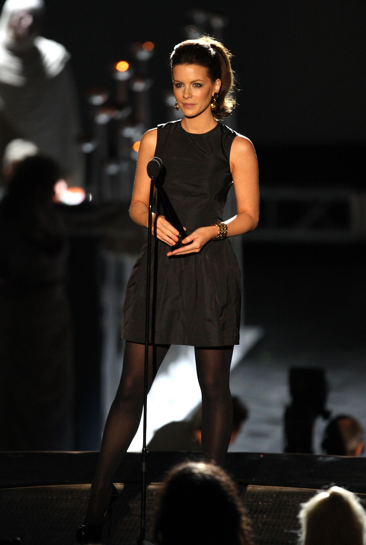09278_Celebutopia-Kate_Beckinsale-Spike_TV53s_2008_Scream_awards_show-06_122_126lo.jpg