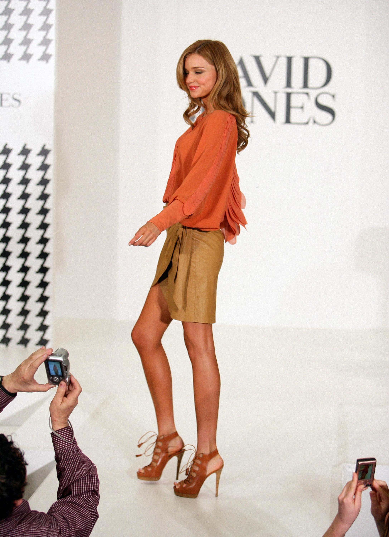 67162_Miranda_Kerr_In_Store_Fashion_Workshop-1_122_159lo.jpg