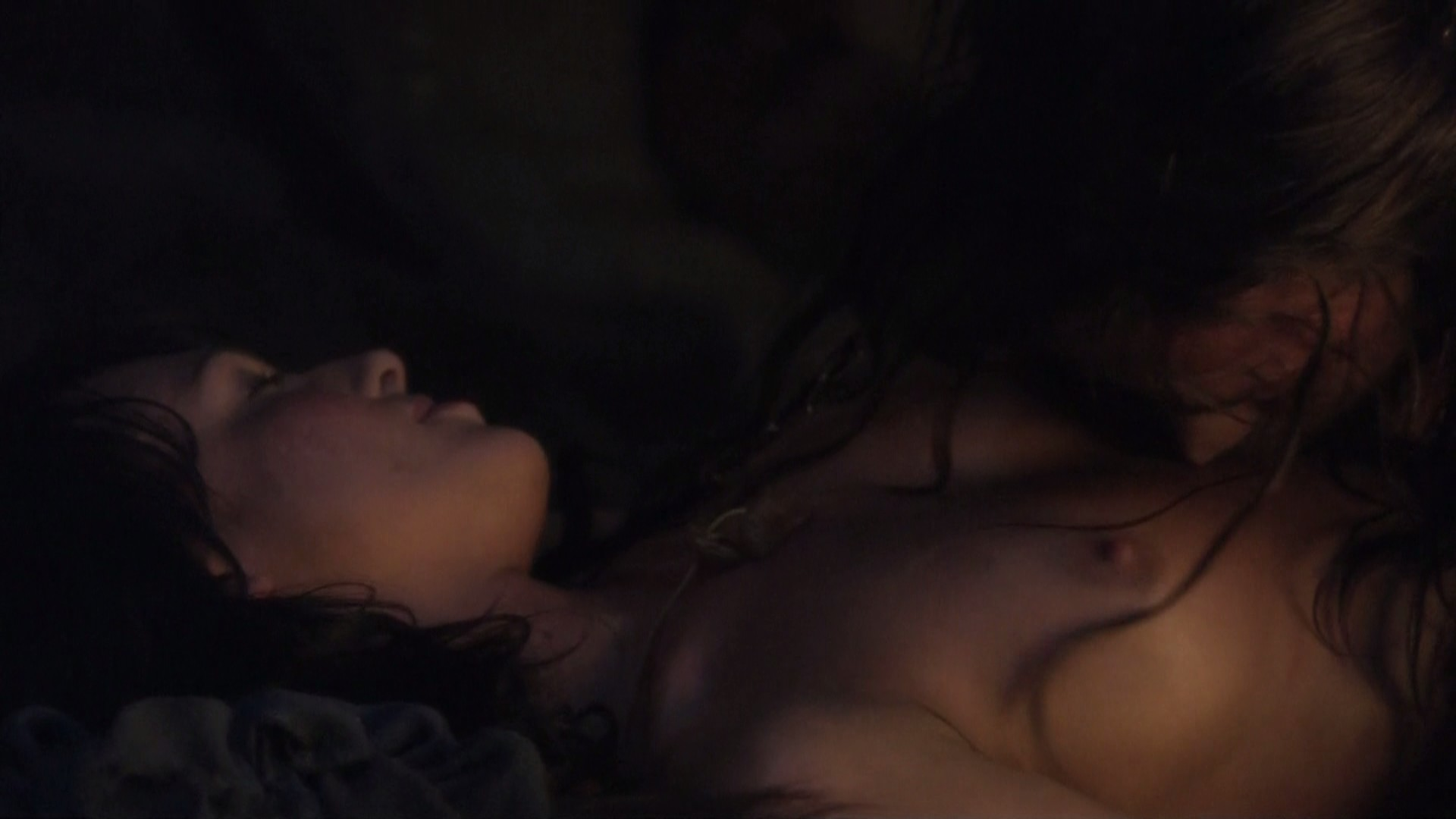 39889_Erin.Cummings-Spartacus.Blood.and.Sand.1x01-1080i-04_123_812lo.jpg
