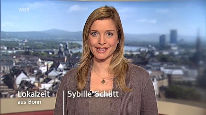 51947_Sybille_Schuett_08-12-09_pp_03_122_182lo.jpg
