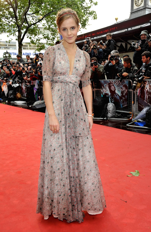 53091_Emma_Watson_HPaTHBP_premiere_in_London04109_122_447lo.jpg
