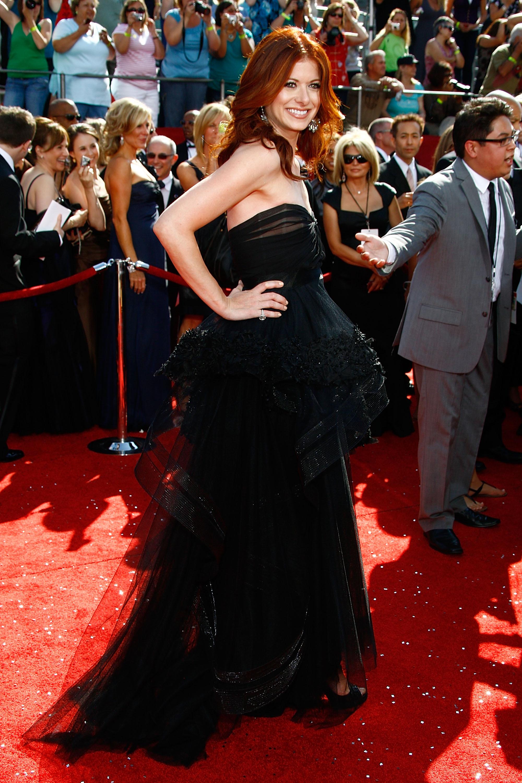 38503_Celebutopia-Debra_Messing_arrives_at_the_60th_Annual_Primetime_Emmy_Awards-07_122_415lo.jpg