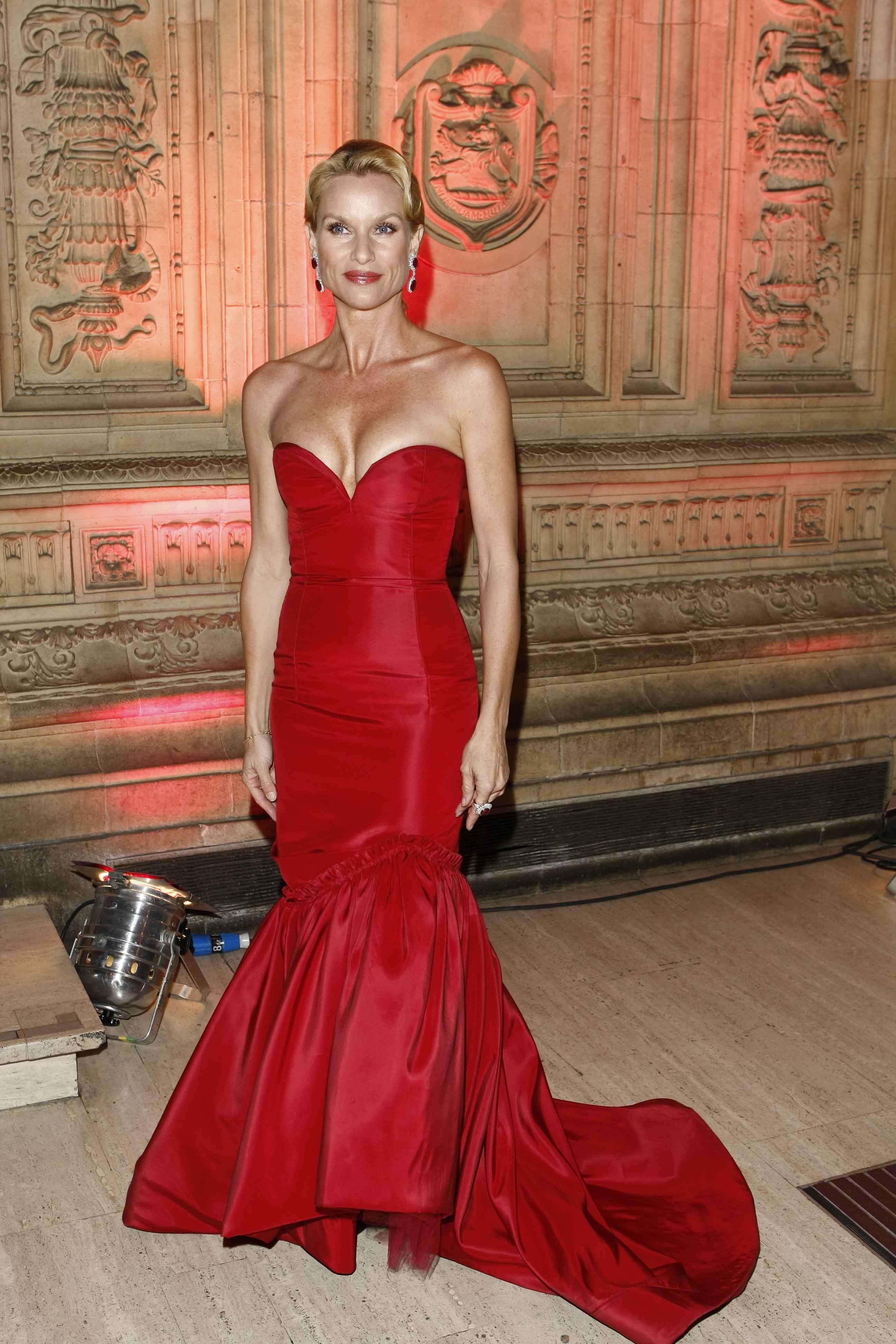 15466_Celebutopia-Nicollette_Sheridan-2008_National_Television_Awards-01_122_628lo.jpg
