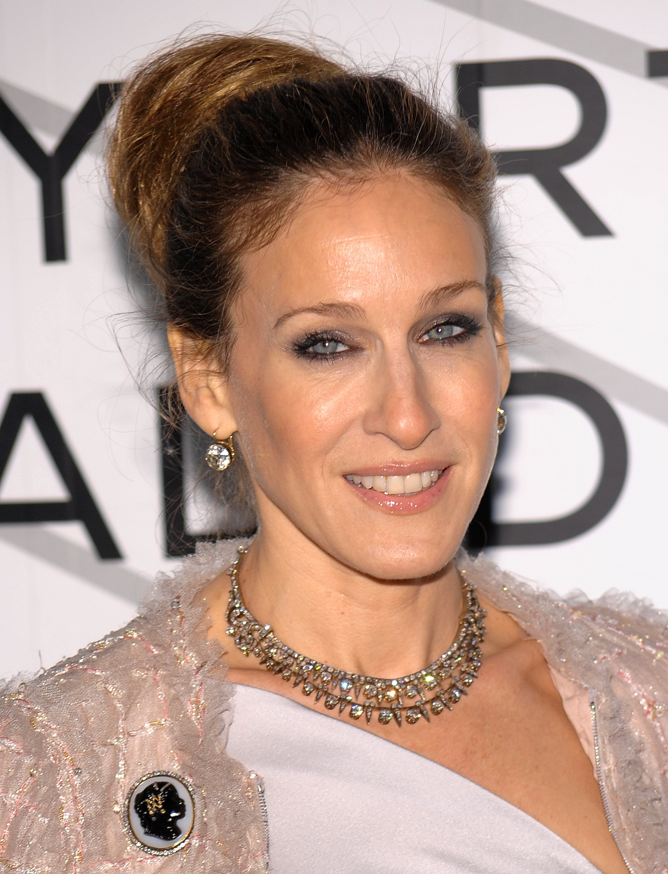 48039_Sarah_Jessica_Parker_-_Opening_party_for_8Mobile_Art_Chanel2_CU_ISA_004_122_451lo.jpg