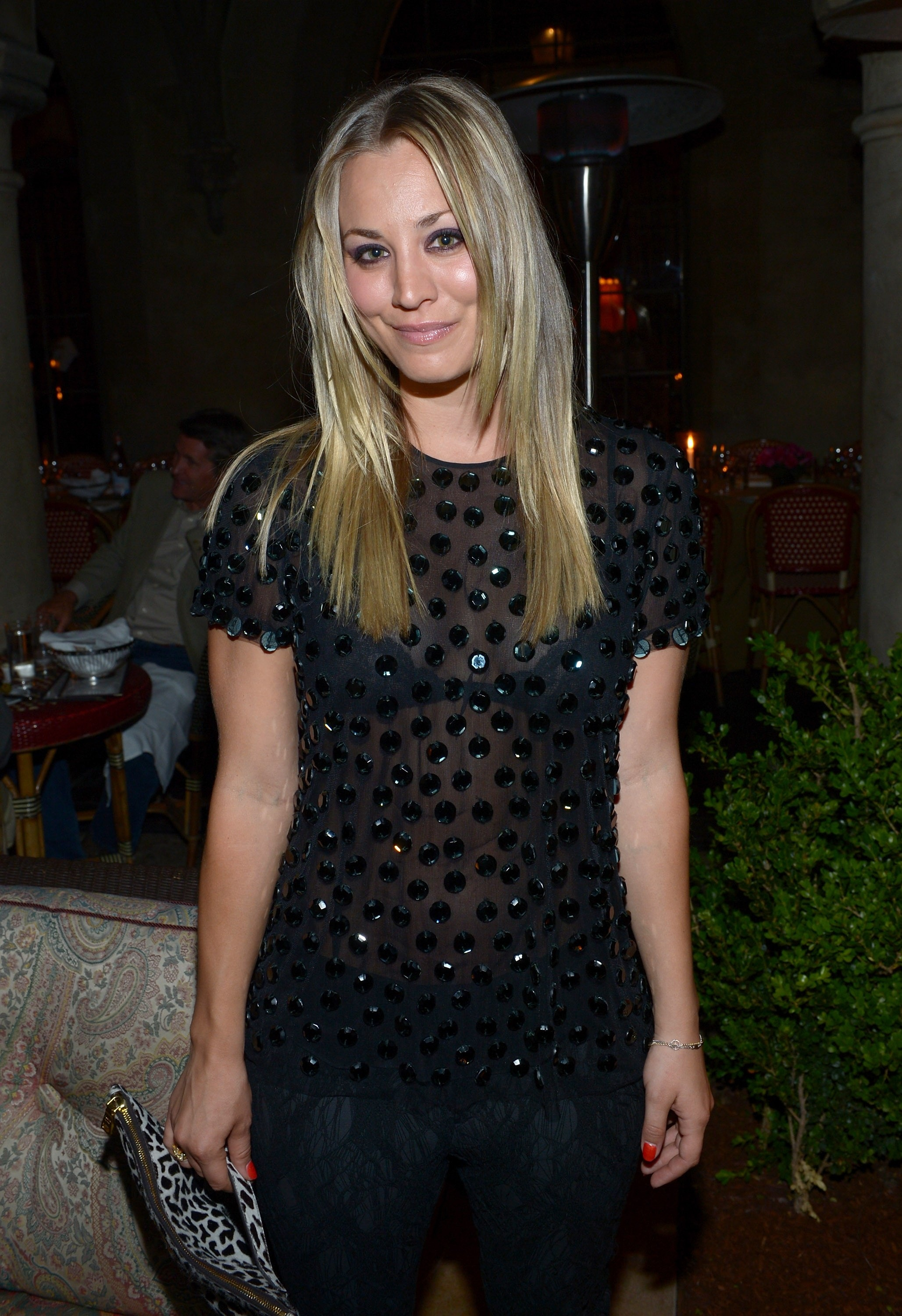 126110414_Kaley_Cuoco_Naeem_Khan_Private_Dinner1_122_1046lo.jpg