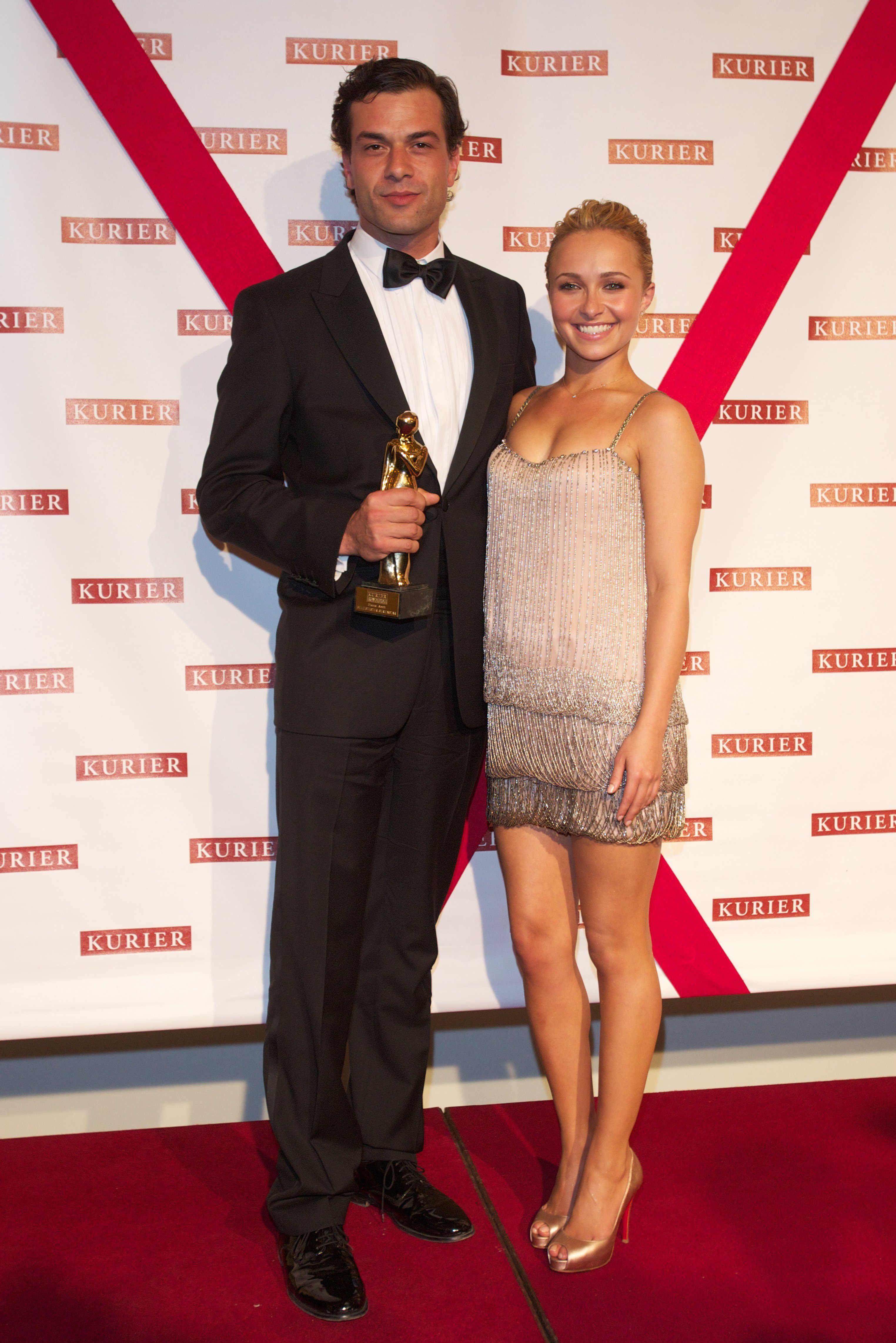 126264821_Hayden_2011_Romy_Awards43_122_1099lo.jpg