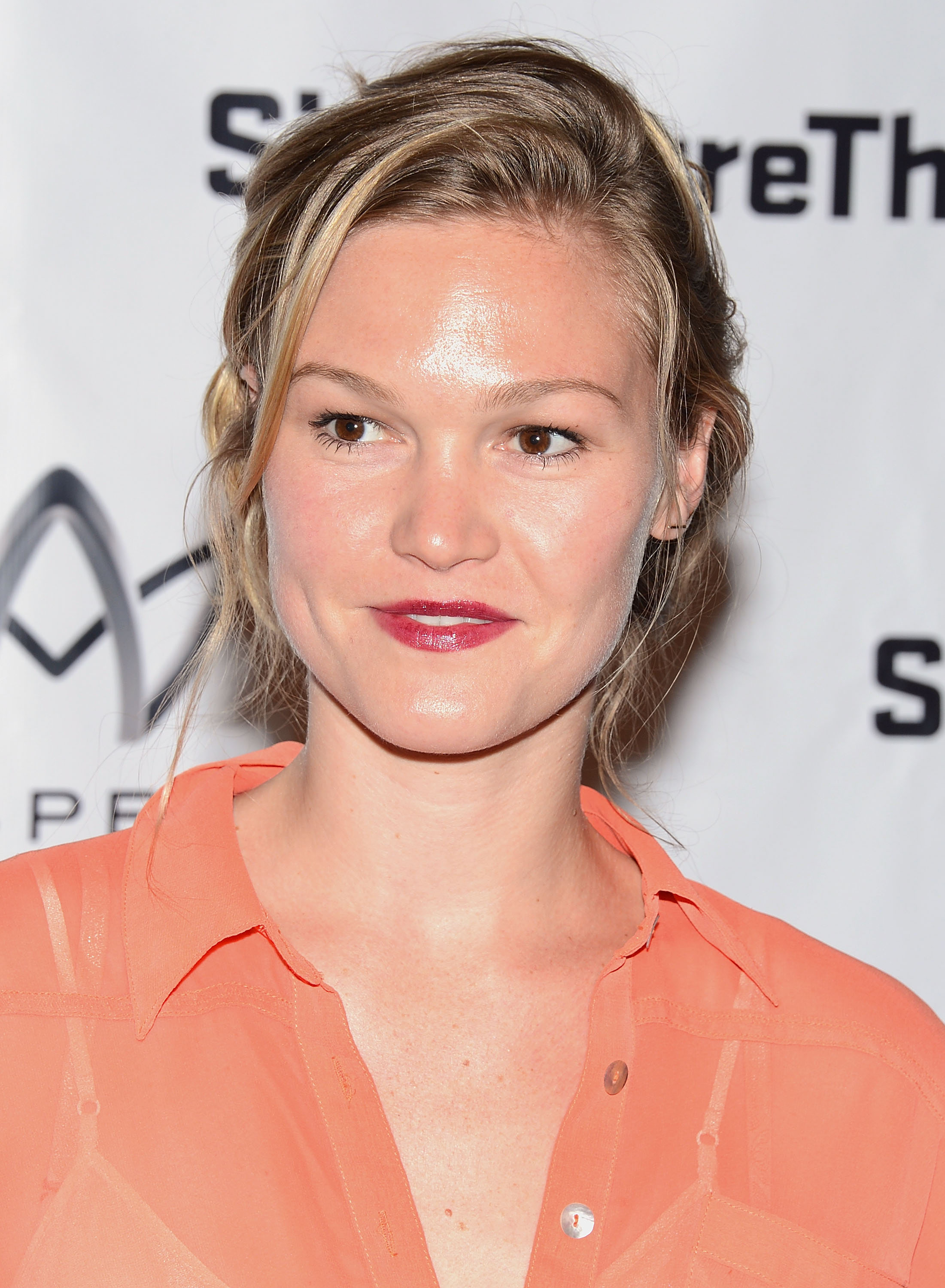 158495770_Julia_Stiles_Heartless_Opening_Night_Party3_122_683lo.jpg