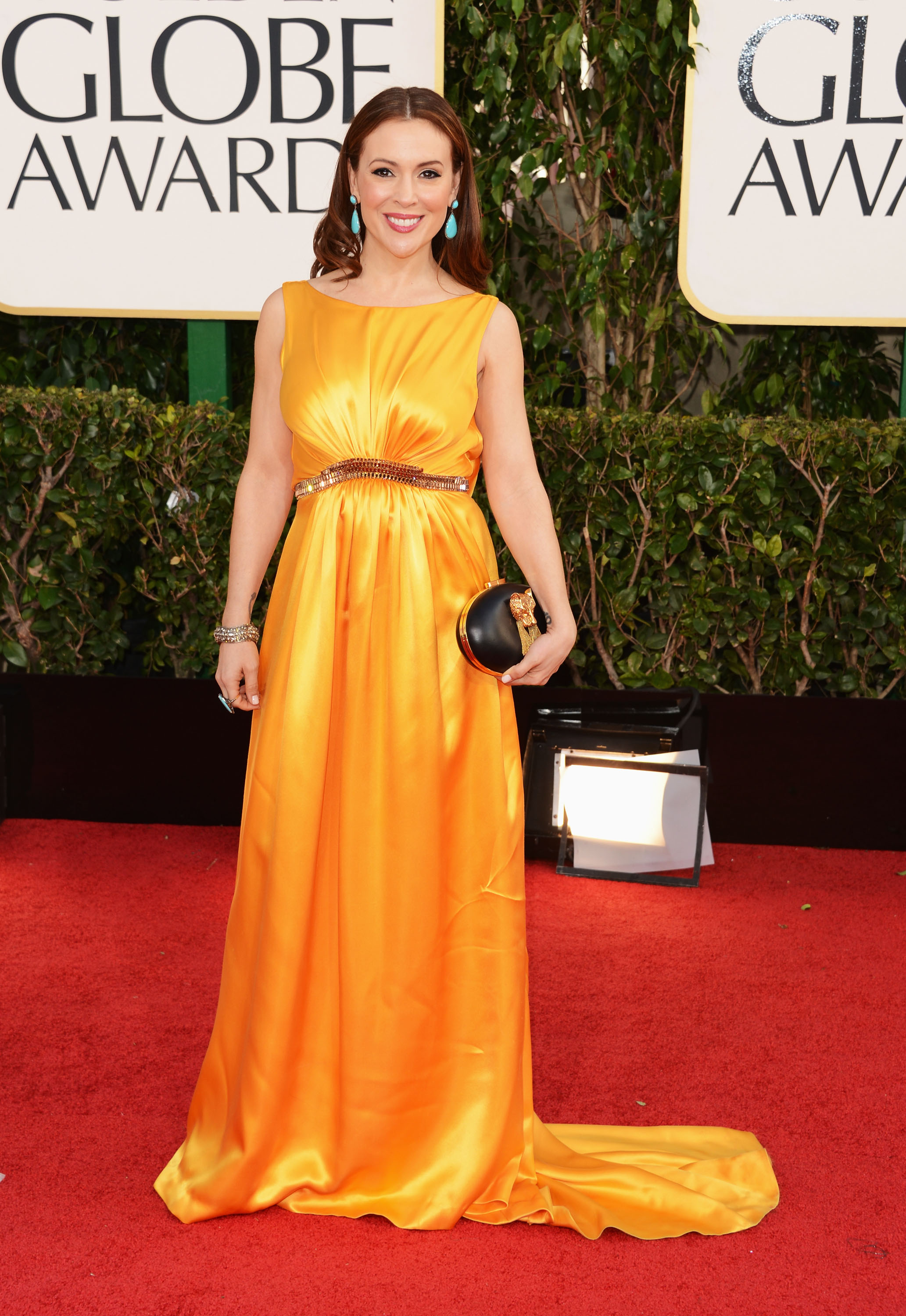 273116475_Alyssa_Milano_Golden_Globe_Awards5_122_989lo.jpg