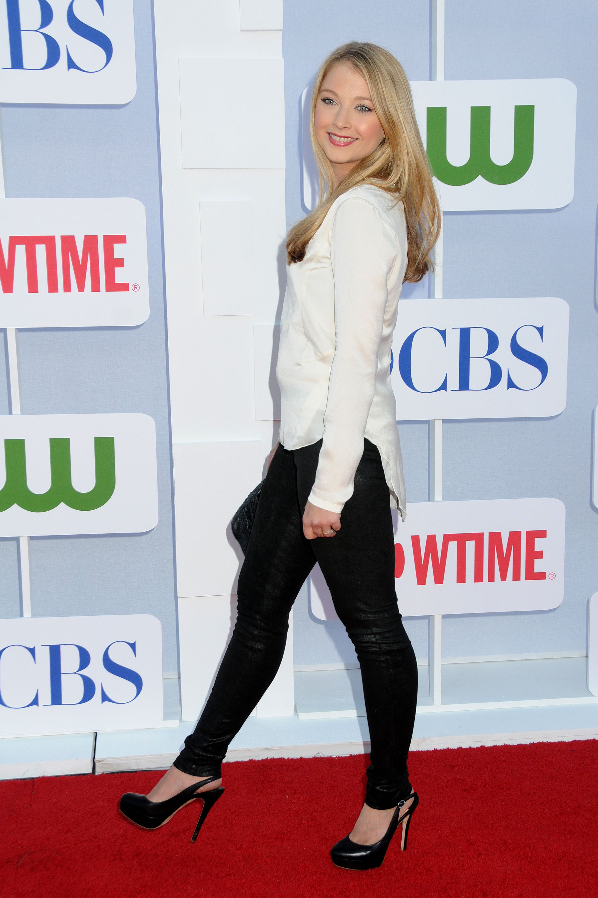 822721392_Elisabeth_Harnois_CW_CBS_and_Showtime_Summer_TCA_Party10_122_1133lo.jpg