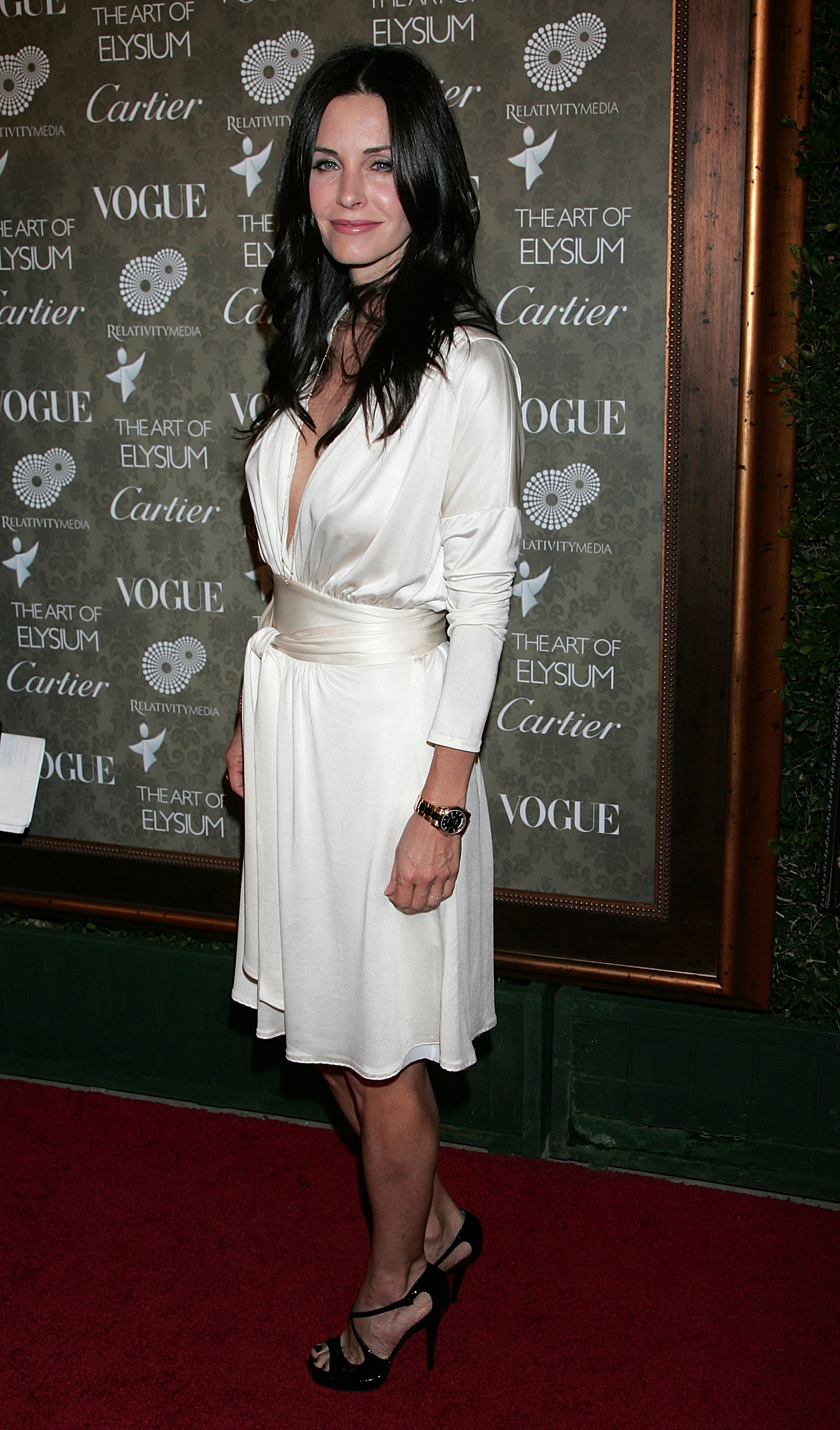74778_Celebutopia-Courteney_Cox_arrives_at_the_The_Art_Of_Elysium4s_2nd_Annual_Black_Tie_Gala-07_122_200lo.jpg