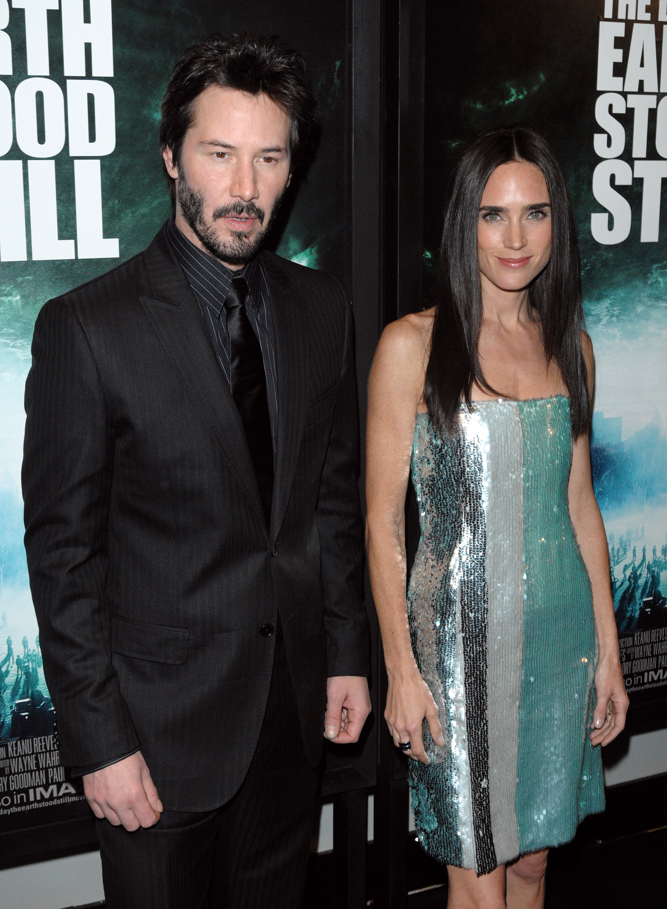 73090_Celebutopia-Jennifer_Connelly-The_Day_The_Earth_Stood_Still_premiere_in_New_York_City-04_122_358lo.JPG